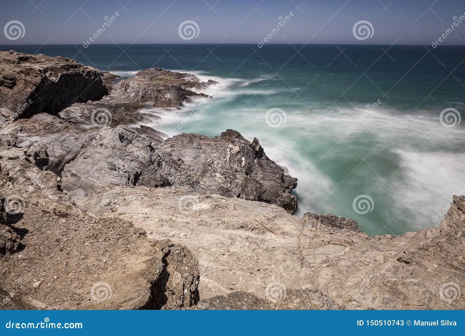 Itinerario dei pescatori, situato nel sud-ovest del Portogallo, con le suoi formazioni rocciose e mare cristallino