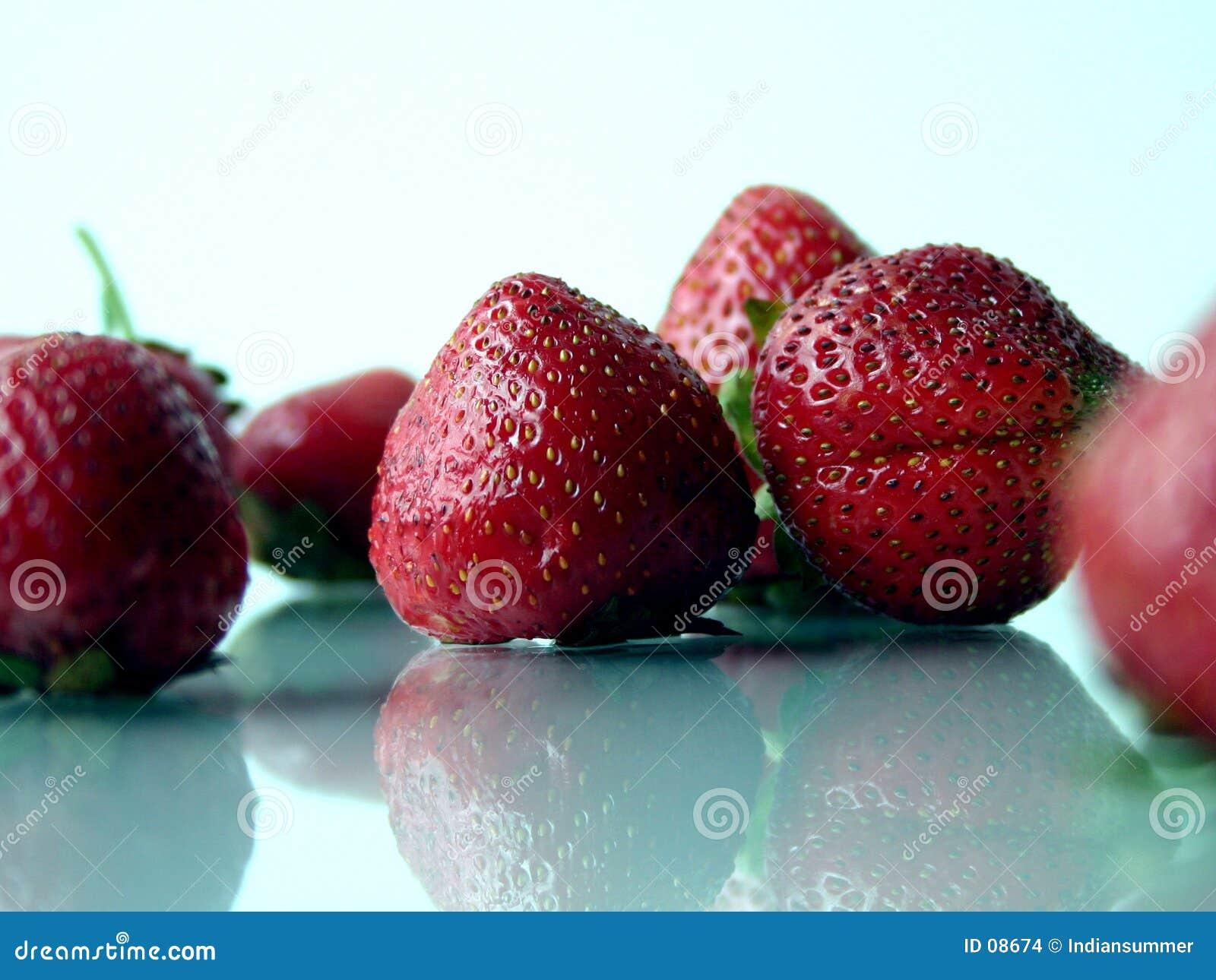 IV φράουλες
