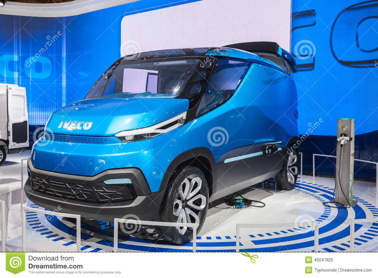 Exhibition Stand Concept : Iveco vision concept van editorial image of