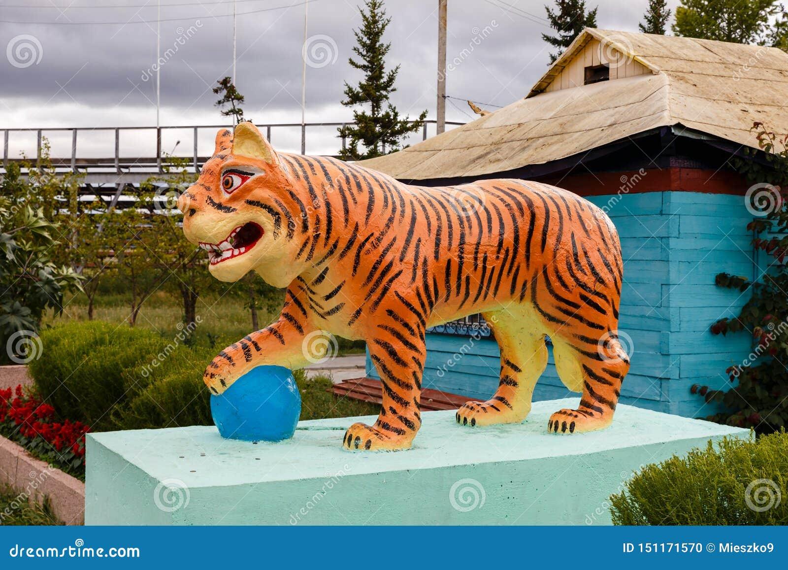 Ivolginsky datsan, rzeźba Buddyjski tygrys
