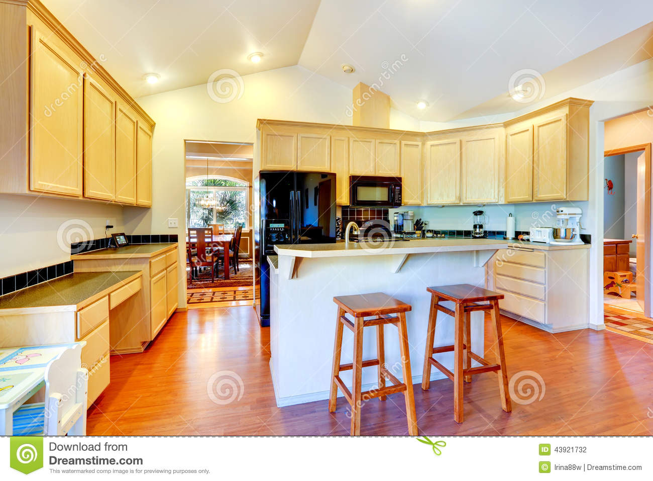 Kitchen cabinets vaulted ceiling - Appliances Black Cabinets Ceiling Kitchen Room Vaulted
