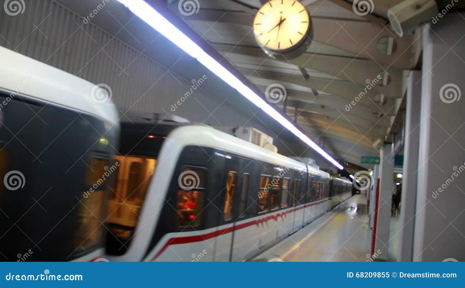 Izmir-Stadt, U-Bahn, Reise, Farben, Truthahn Stock Video - Video von ...