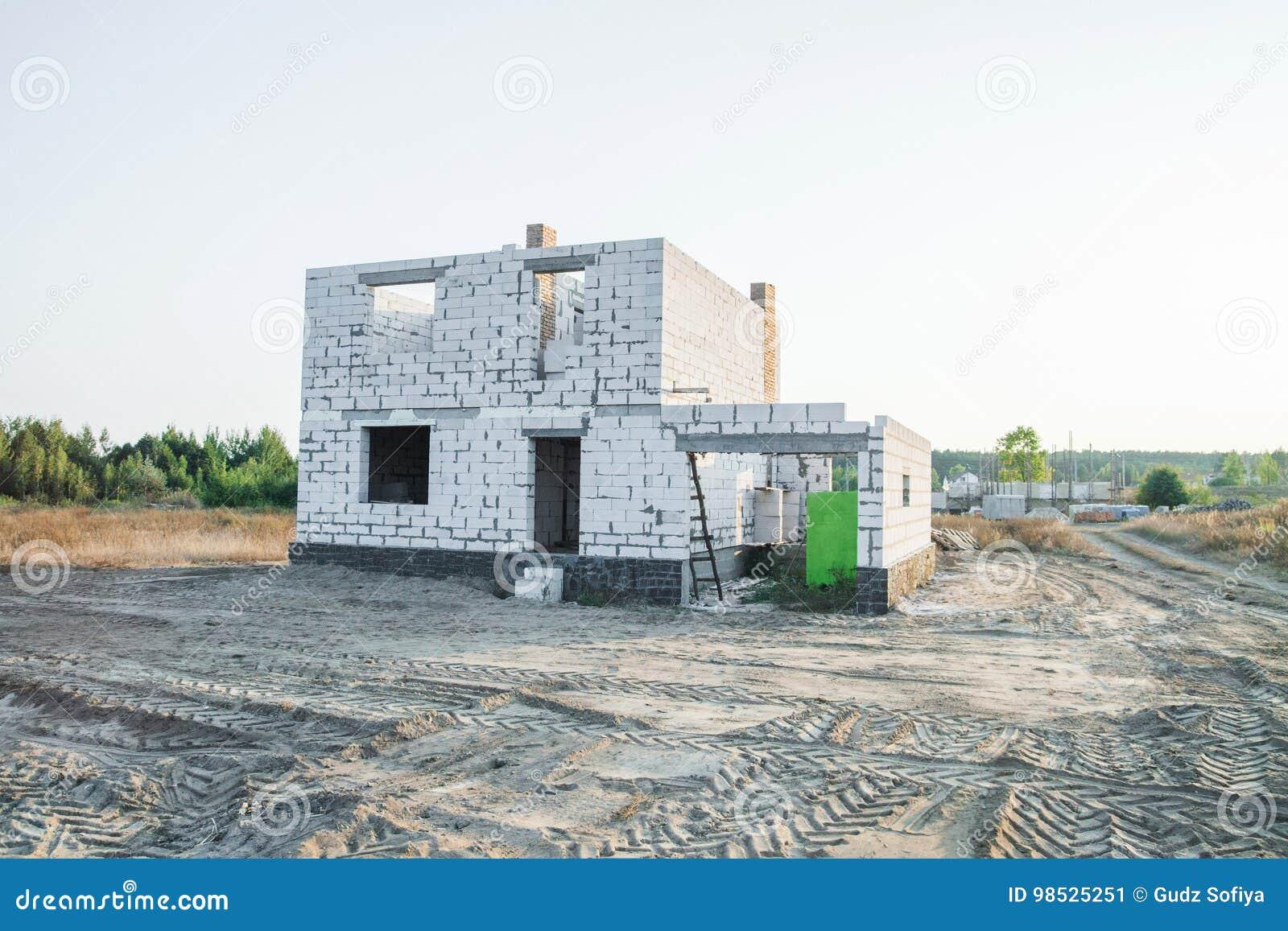 IZOBLOK大厦系统 未完成的房子的建筑