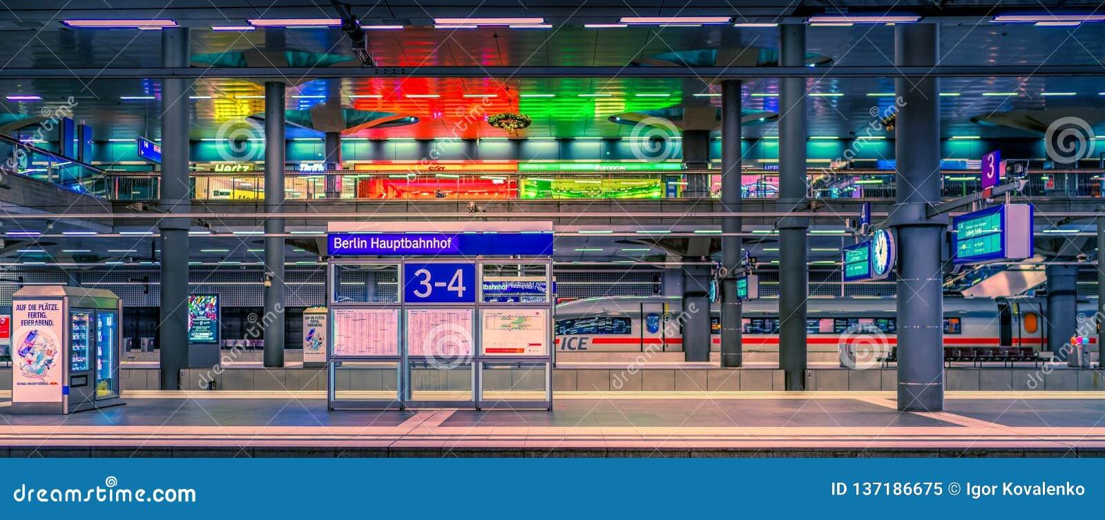 Järnvägsstation för europeiskt land - kollektivtrafik