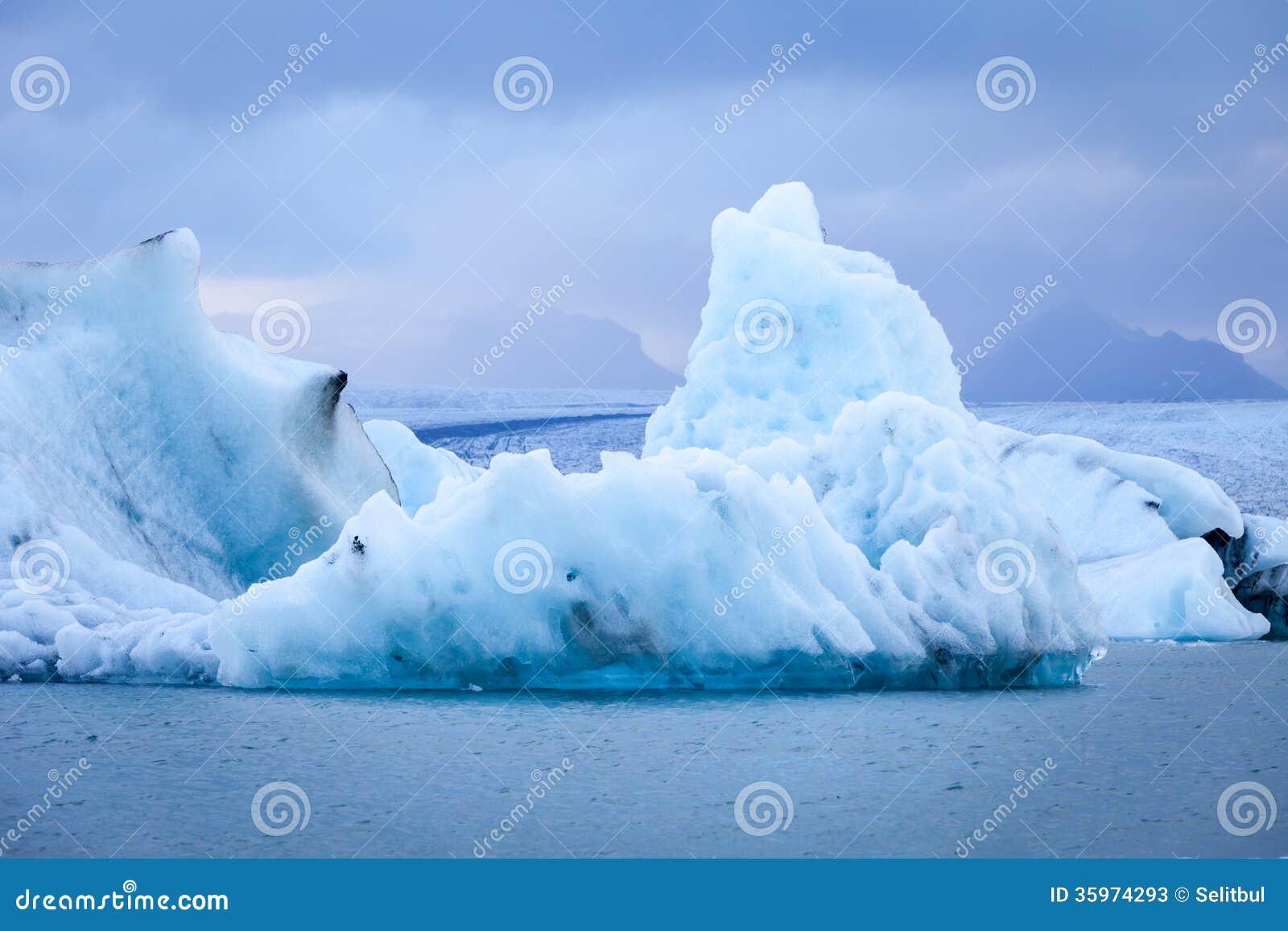 Jökulsárlón - laguna glacial famosa, Islandia del sur