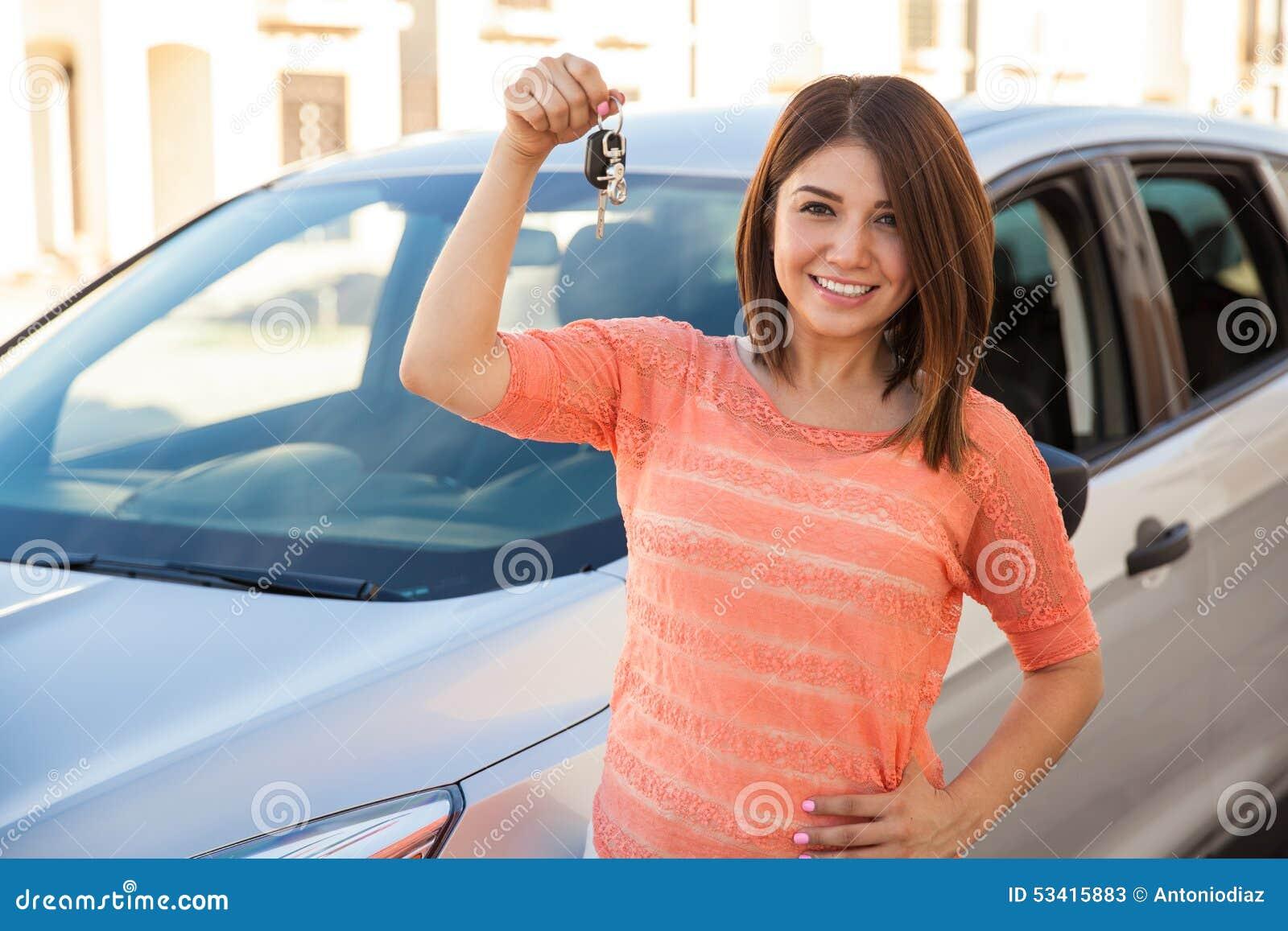 achet une voiture il ach te une voiture d 39 occasion et d couvre qu 39 elle a km de plus qu. Black Bedroom Furniture Sets. Home Design Ideas