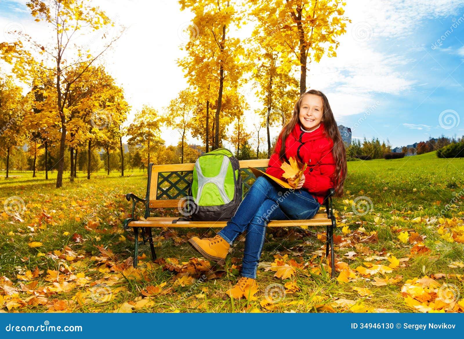 11 jaar oud meisjes na school in het park stock foto afbeelding 34946130 - Jaar oude meisje kamer foto ...