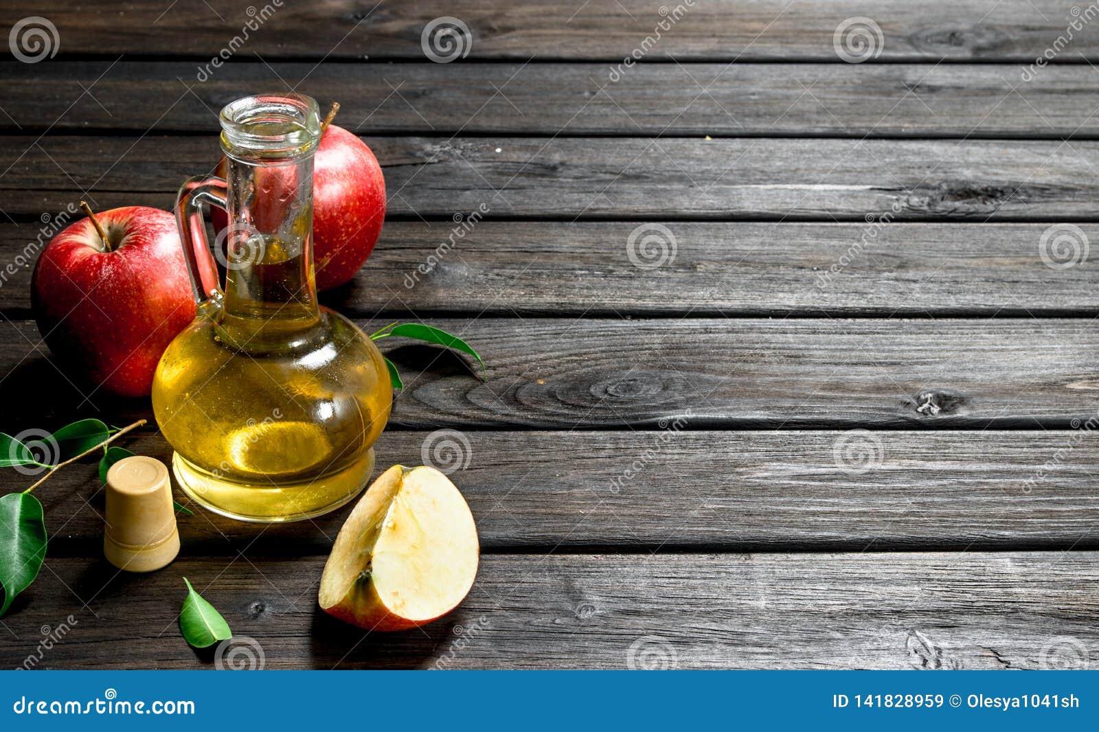 Jabłczanego cydru ocet z świeżymi jabłkami