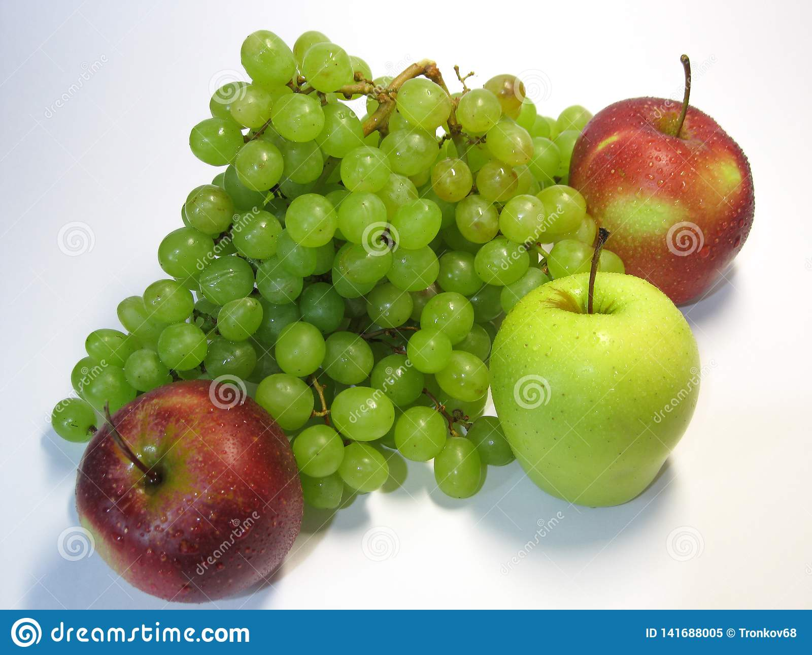 Jabłka i winogrona - piękno, korzyść, smak i zdrowie, niewyczerpalny źródło witaminy