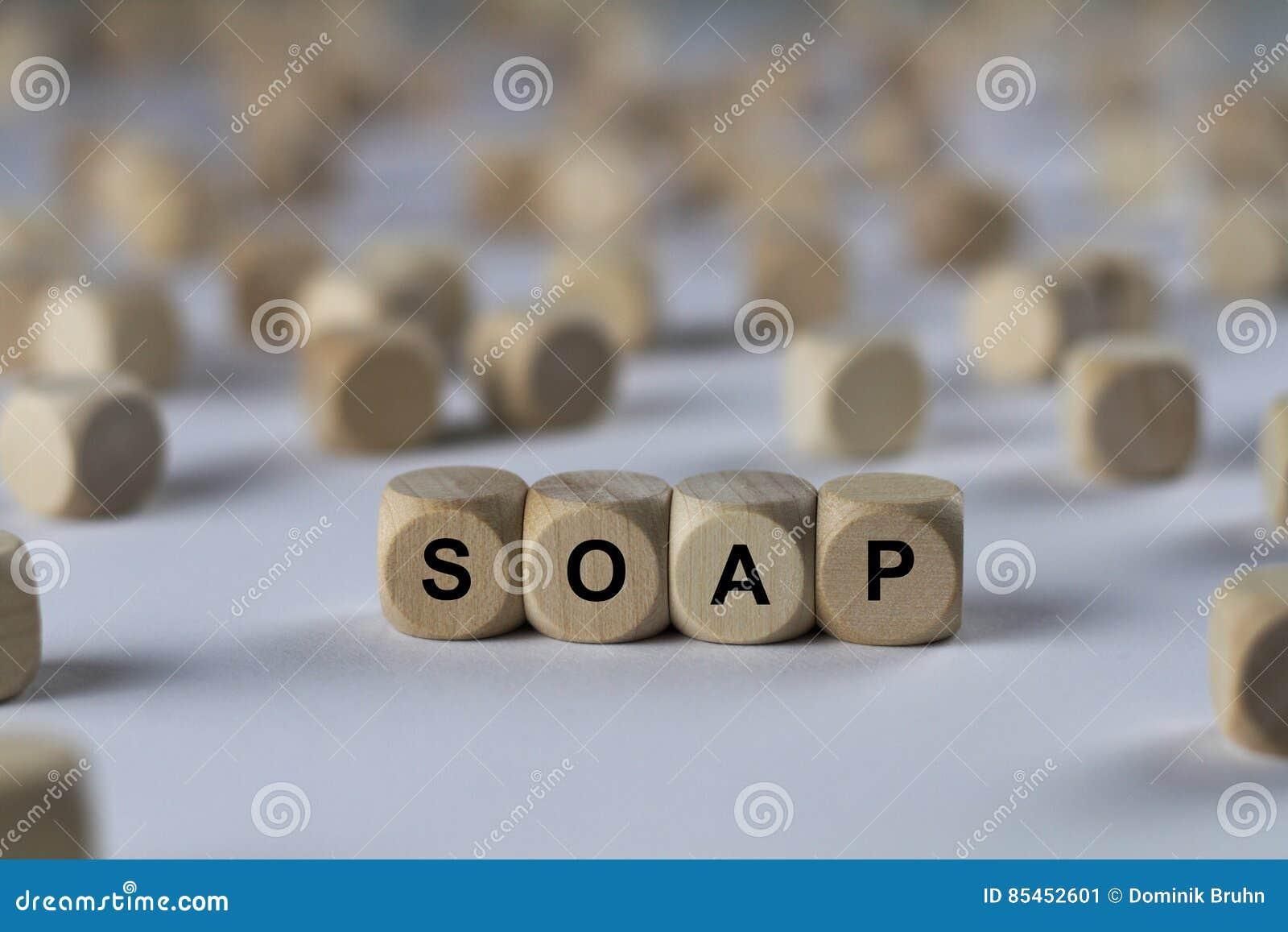Jabón - cubo con las letras, muestra con los cubos de madera
