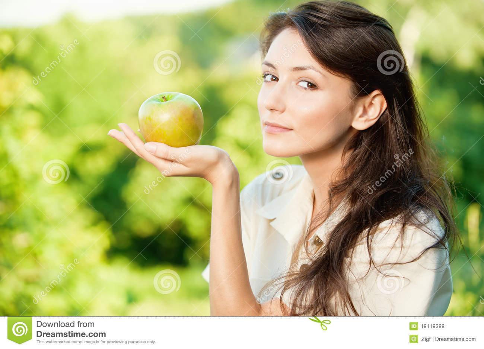 Jabłczana piękna zielona kobieta