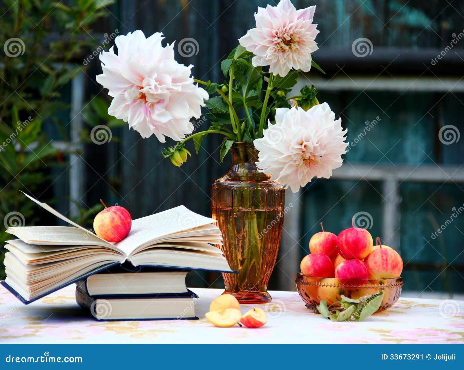 Jabłka i książki