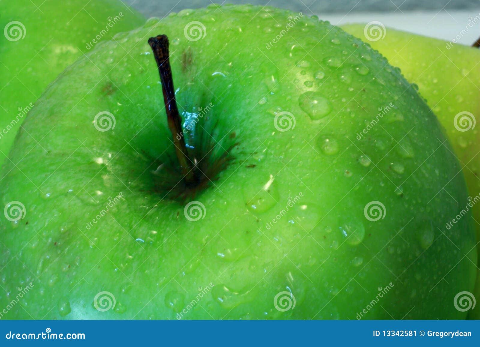 Jabłka zakończenia zieleń