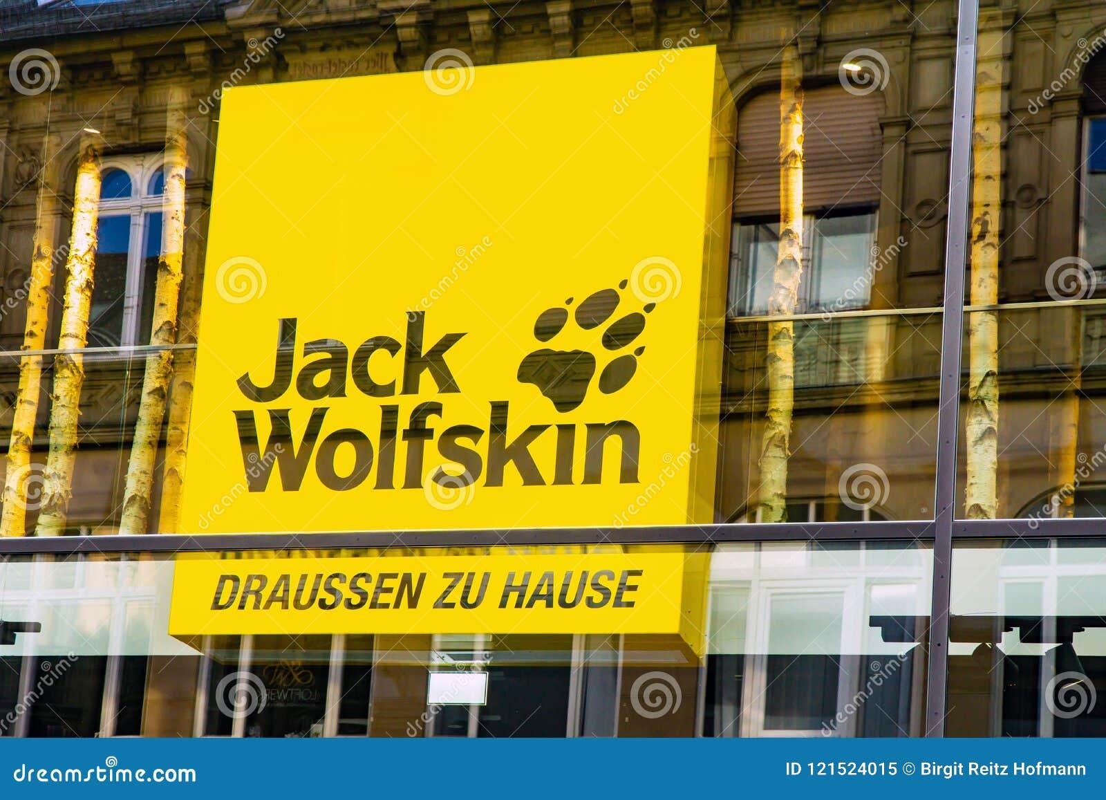 Jack Wolfskin Logo redaktionelles bild. Bild von speicher