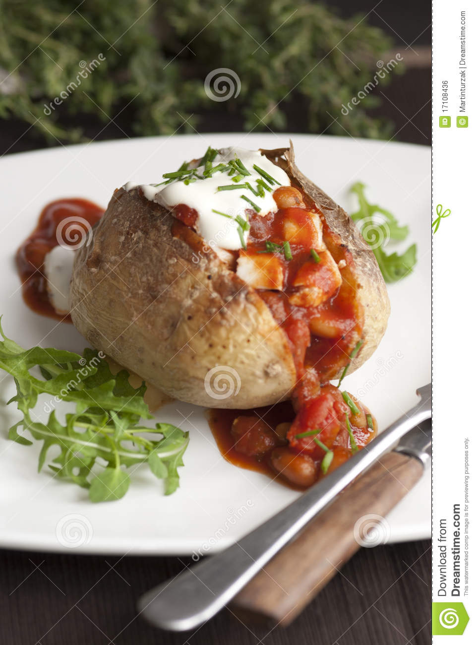 Jacket potato royalty free stock image image 17108436 for Jacket potato fillings mushroom