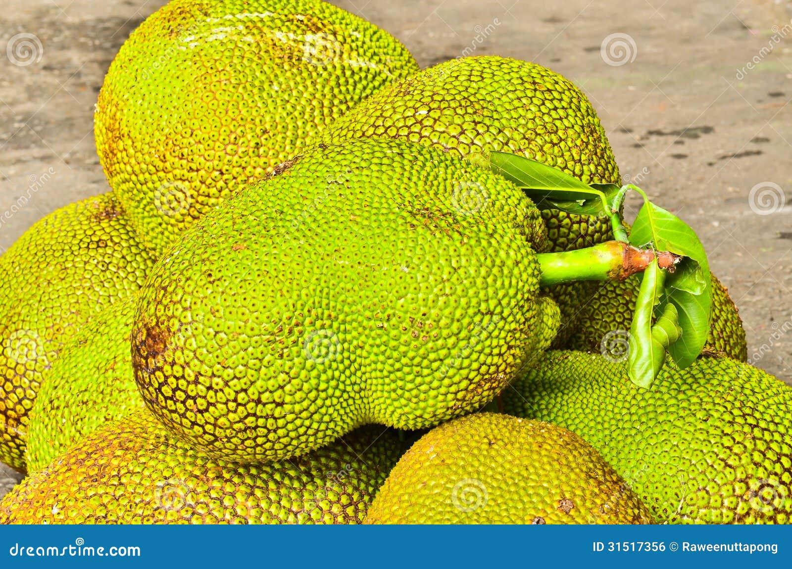 how to open a jackfruitn