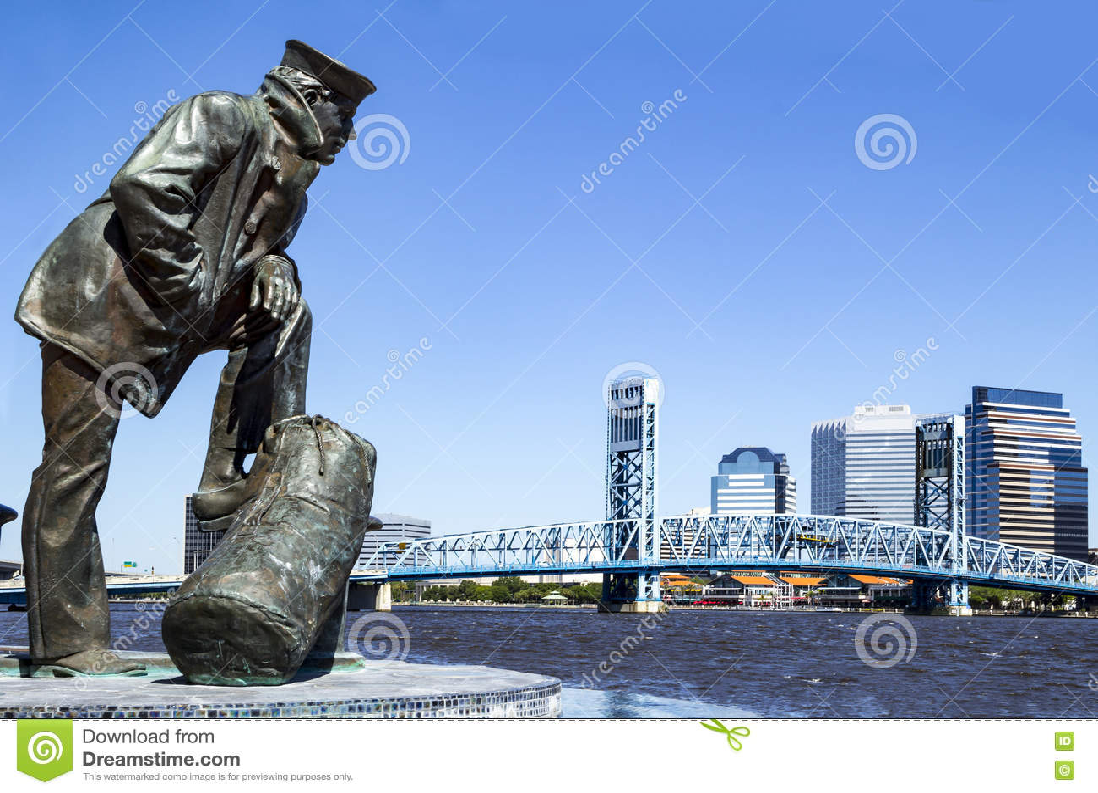 Jacksonville, Florida skyline and sailor sculpture