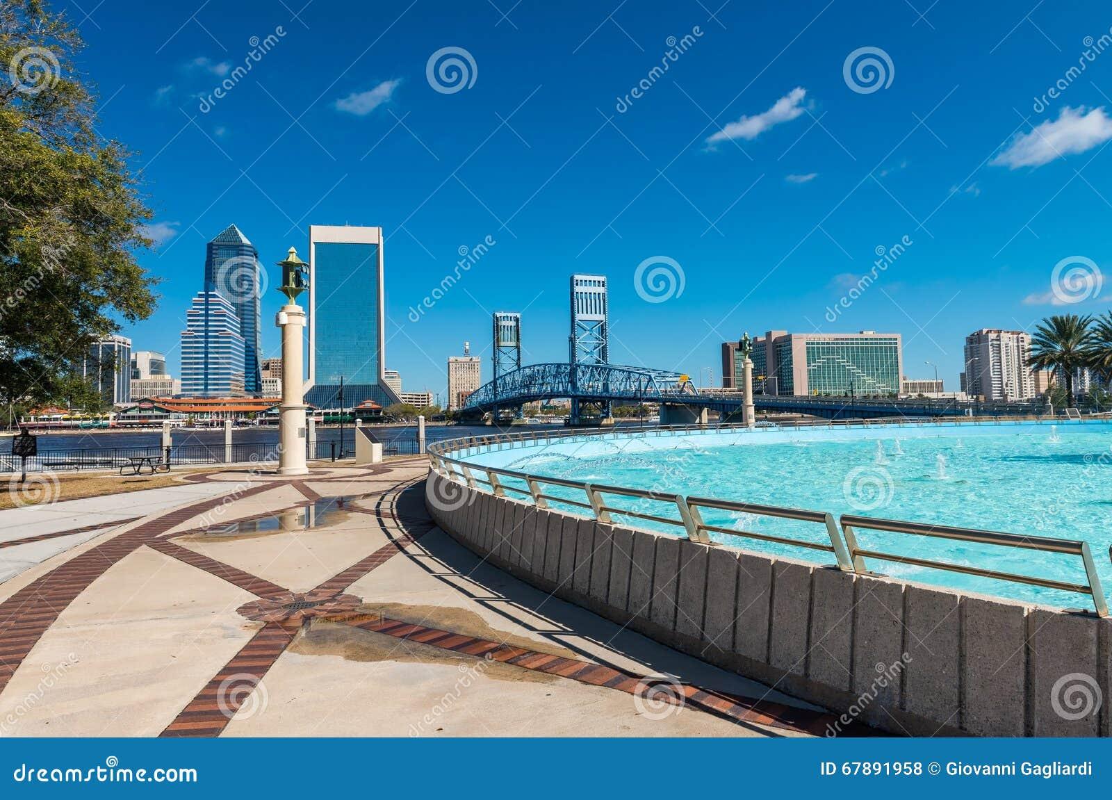 Jacksonville skyline and fountain, Florida