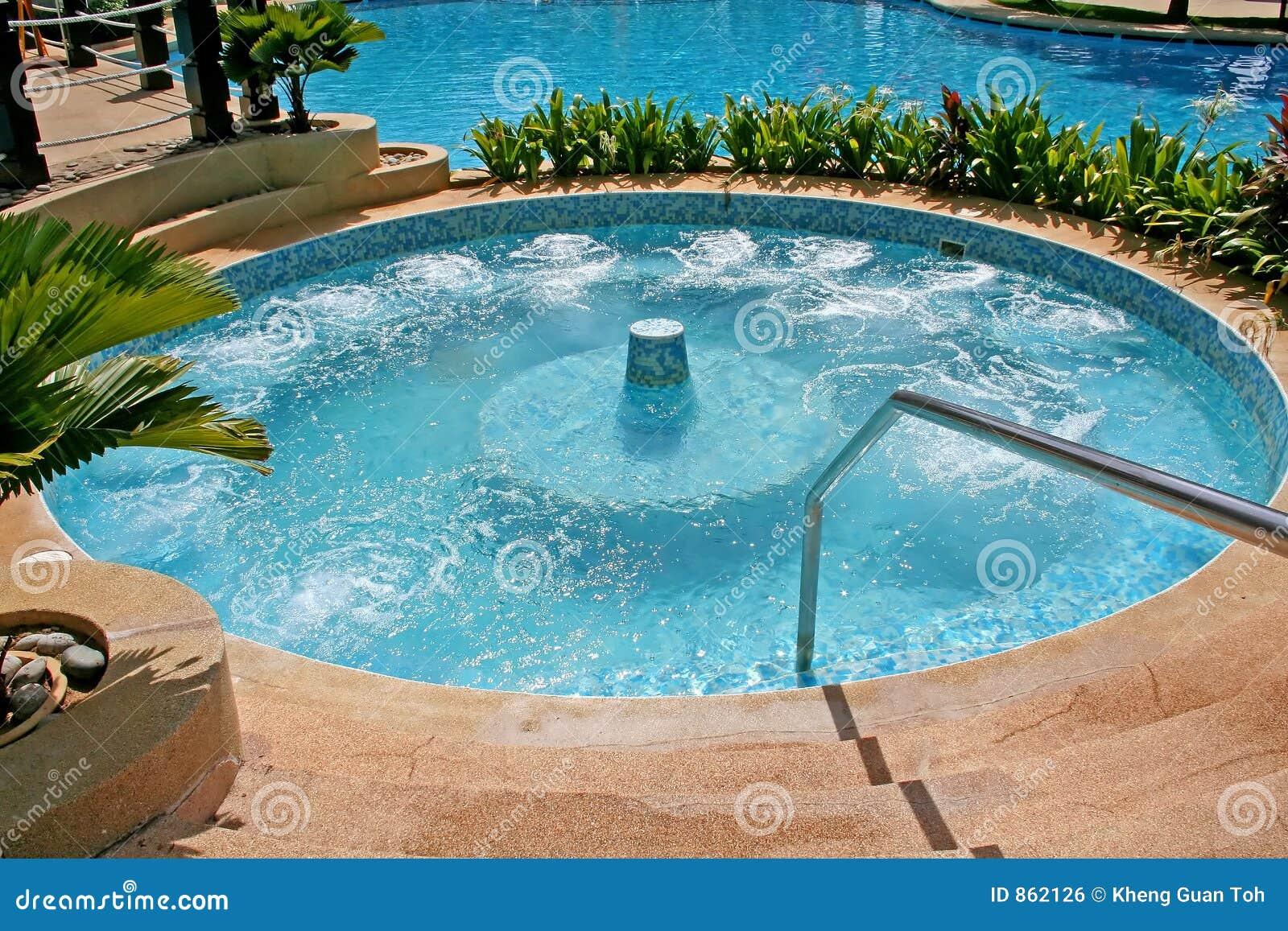 Jacuzzi foto de stock imagem de calmo soothing relaxe - Fotos de jacuzzi ...