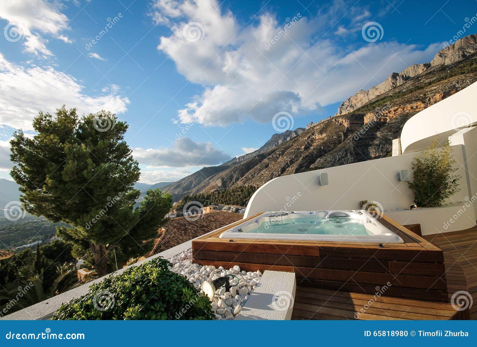 Jacuzzi Auf Der Terrasse Im Freien Mit Panoramablicken In Den Altea
