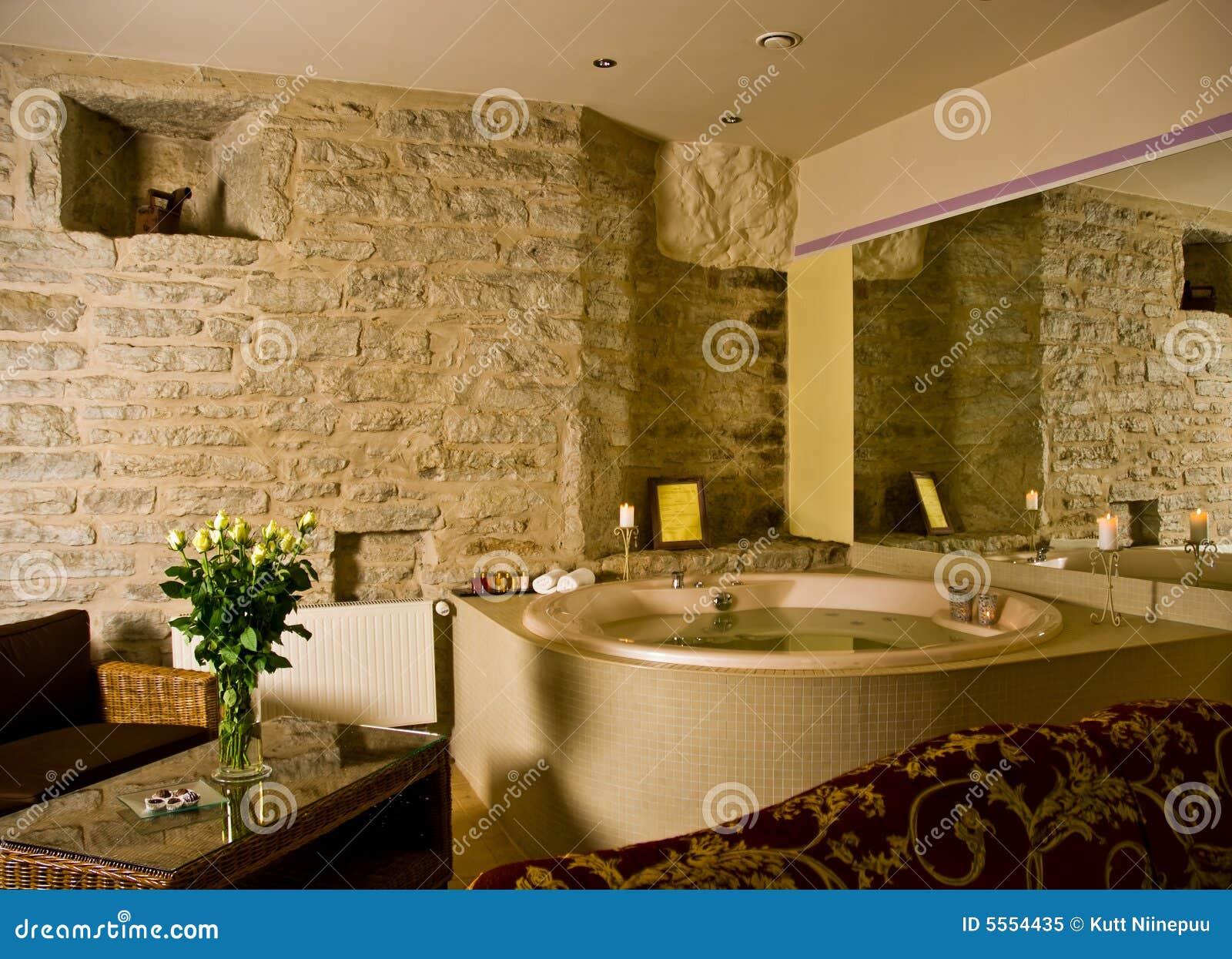 Jacuzzi Dentro De Um Quarto De Hotel Imagem De Stock