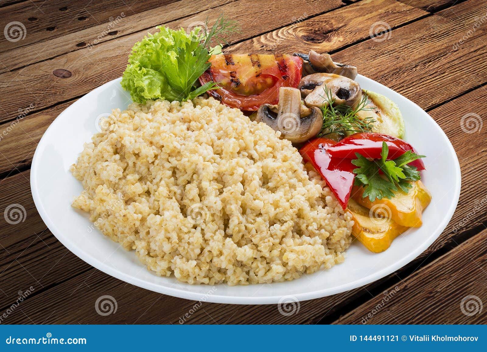 Jaglana owsianka z piec na grillu warzywami