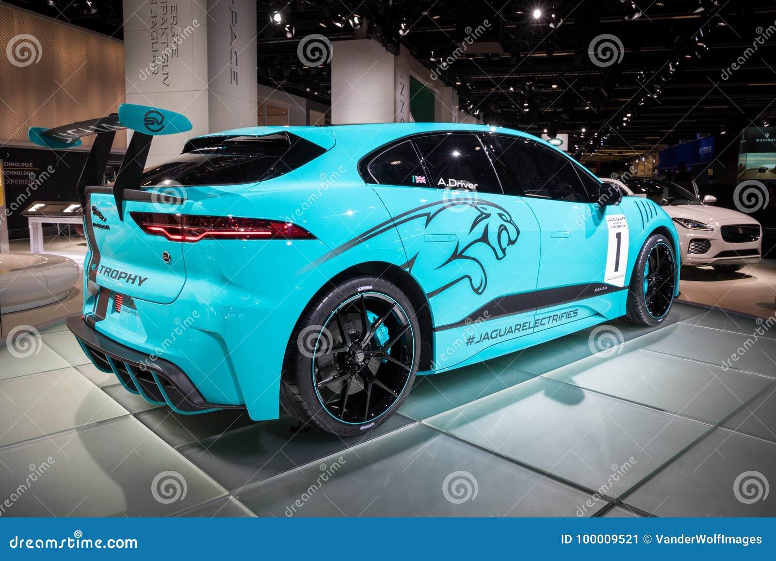 Jaguar Van I Tempo E Raceauto Trofee De Alle Elektrische Suv