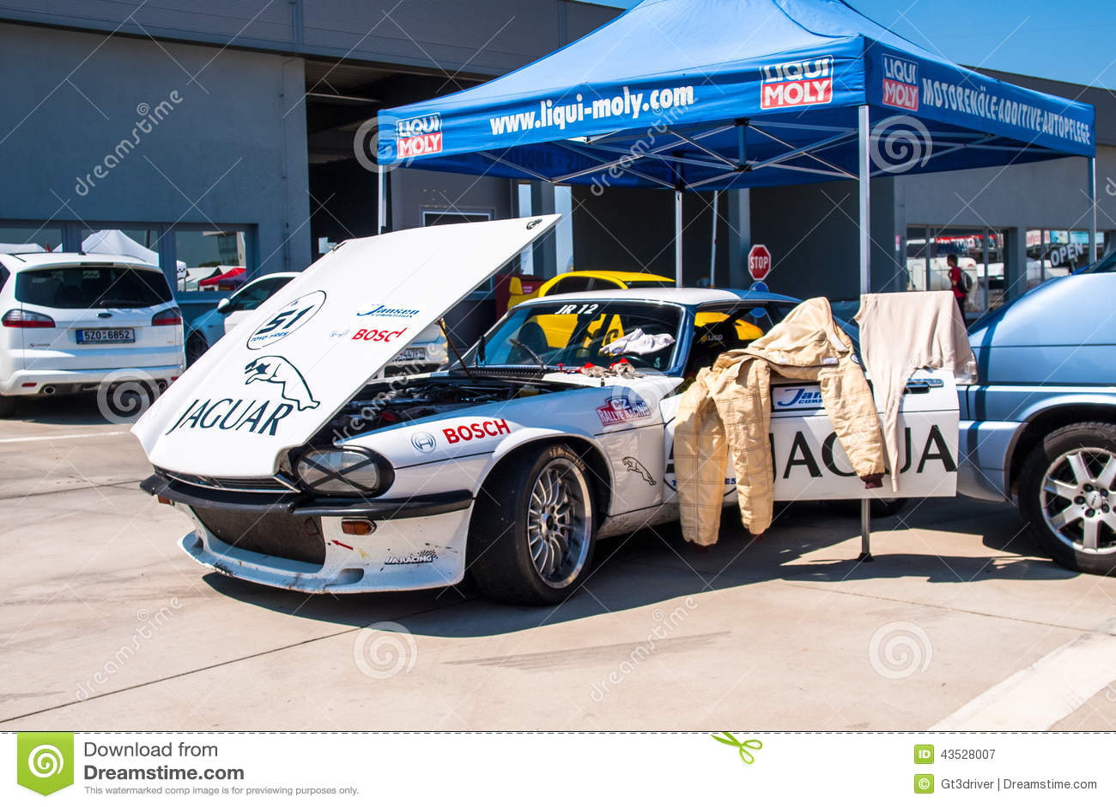 Jaguar XJS racing car editorial photography. Image of chevrolet ...