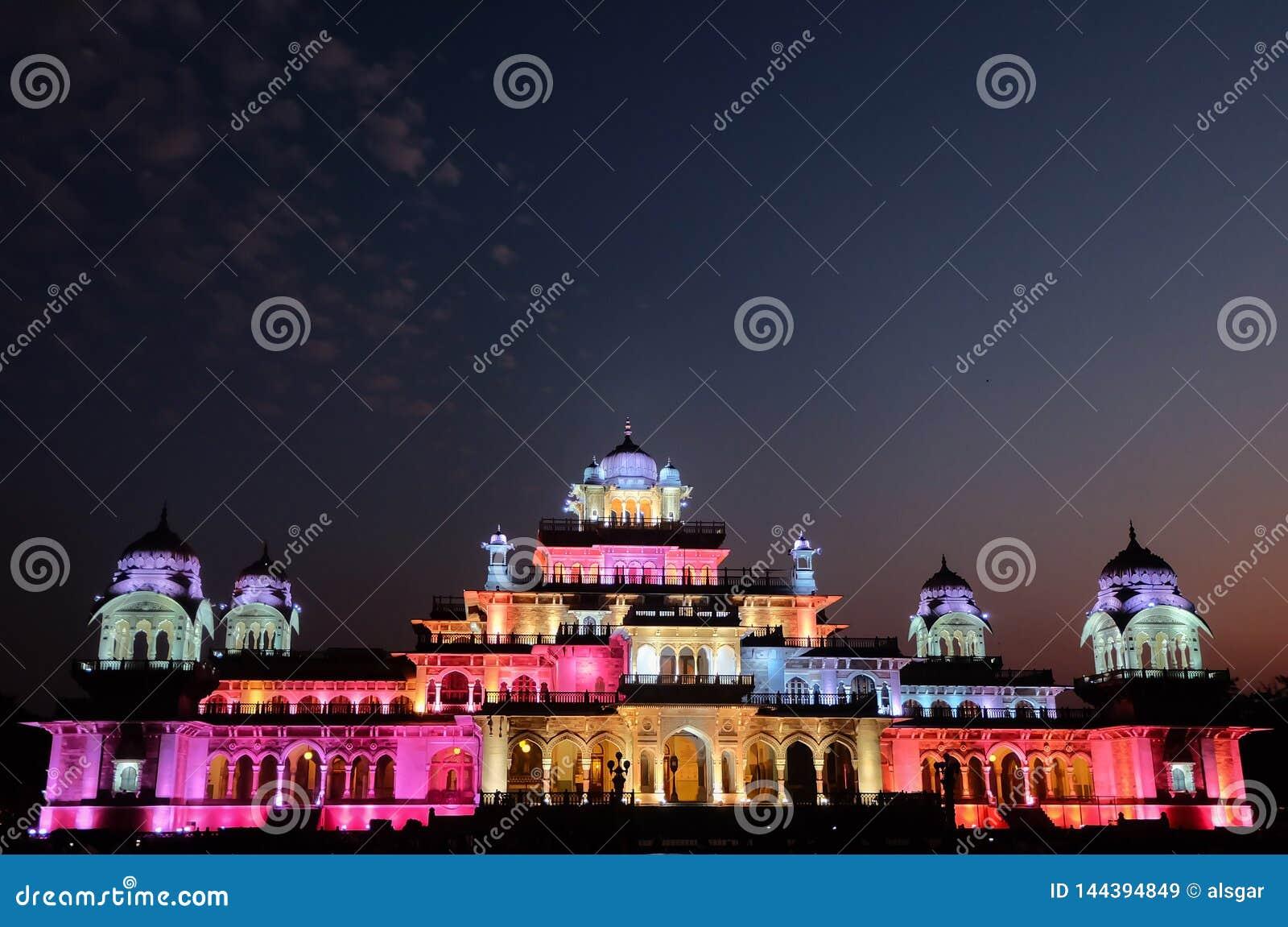 Jaipur Albert Hall Museum på natten