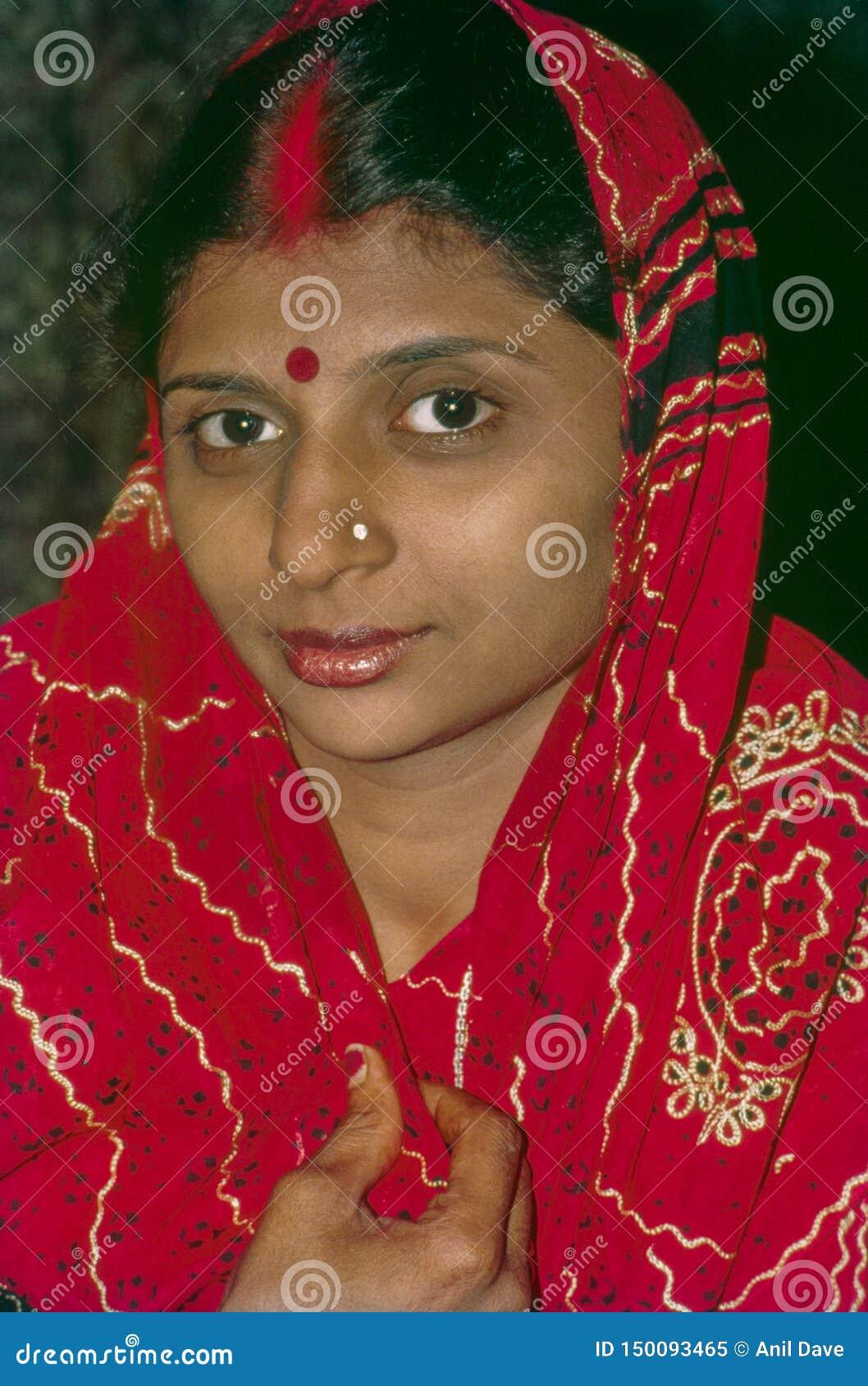 Jaisalmer nuevamente casado Rajasthán la India de las mujeres jovenes