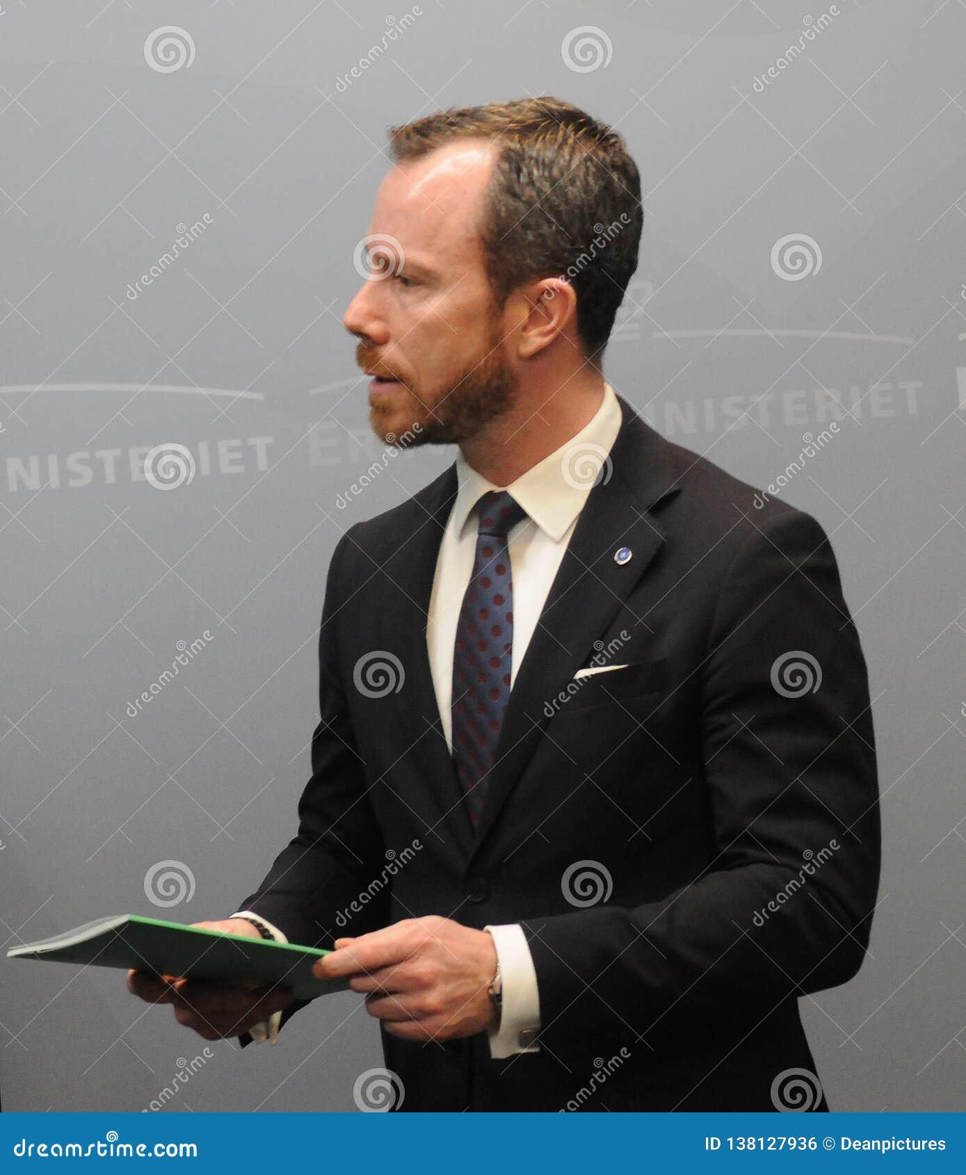 JAKOB ELLEMANN-JENSEN MINISTER FÖR MILJÖ