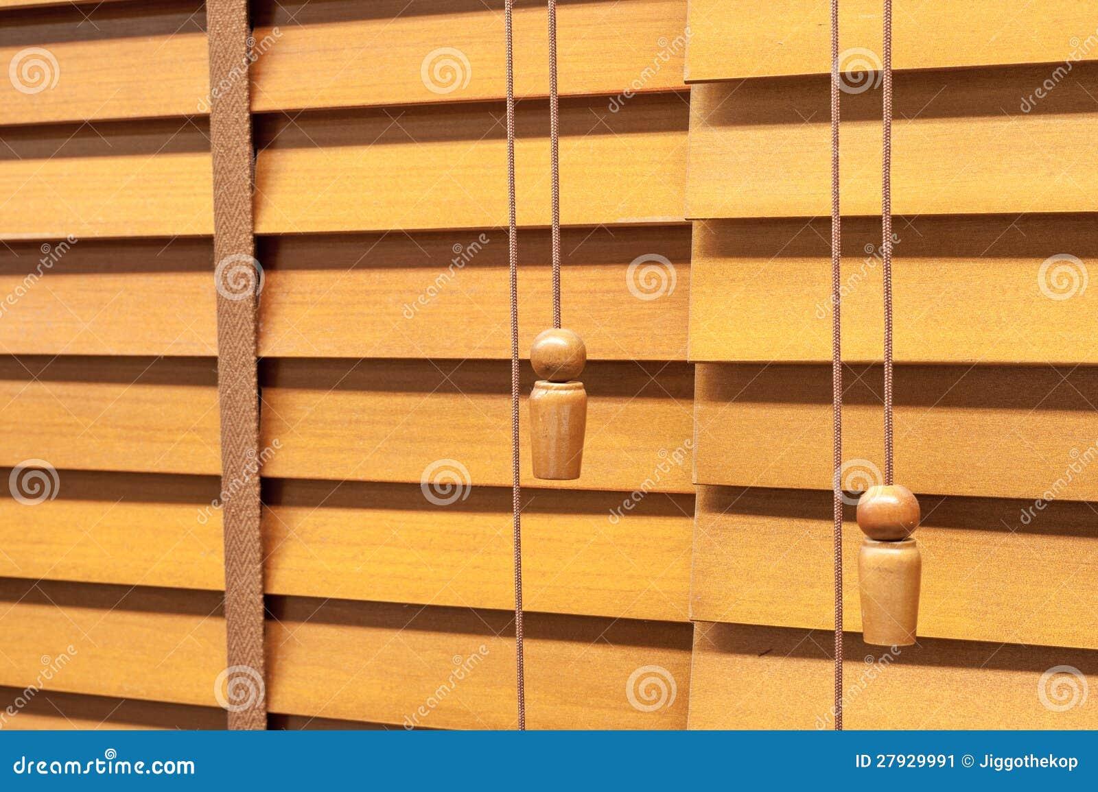 Jalousie horizontale en bois image stock image 27929991 for Fenetre jalousie en bois