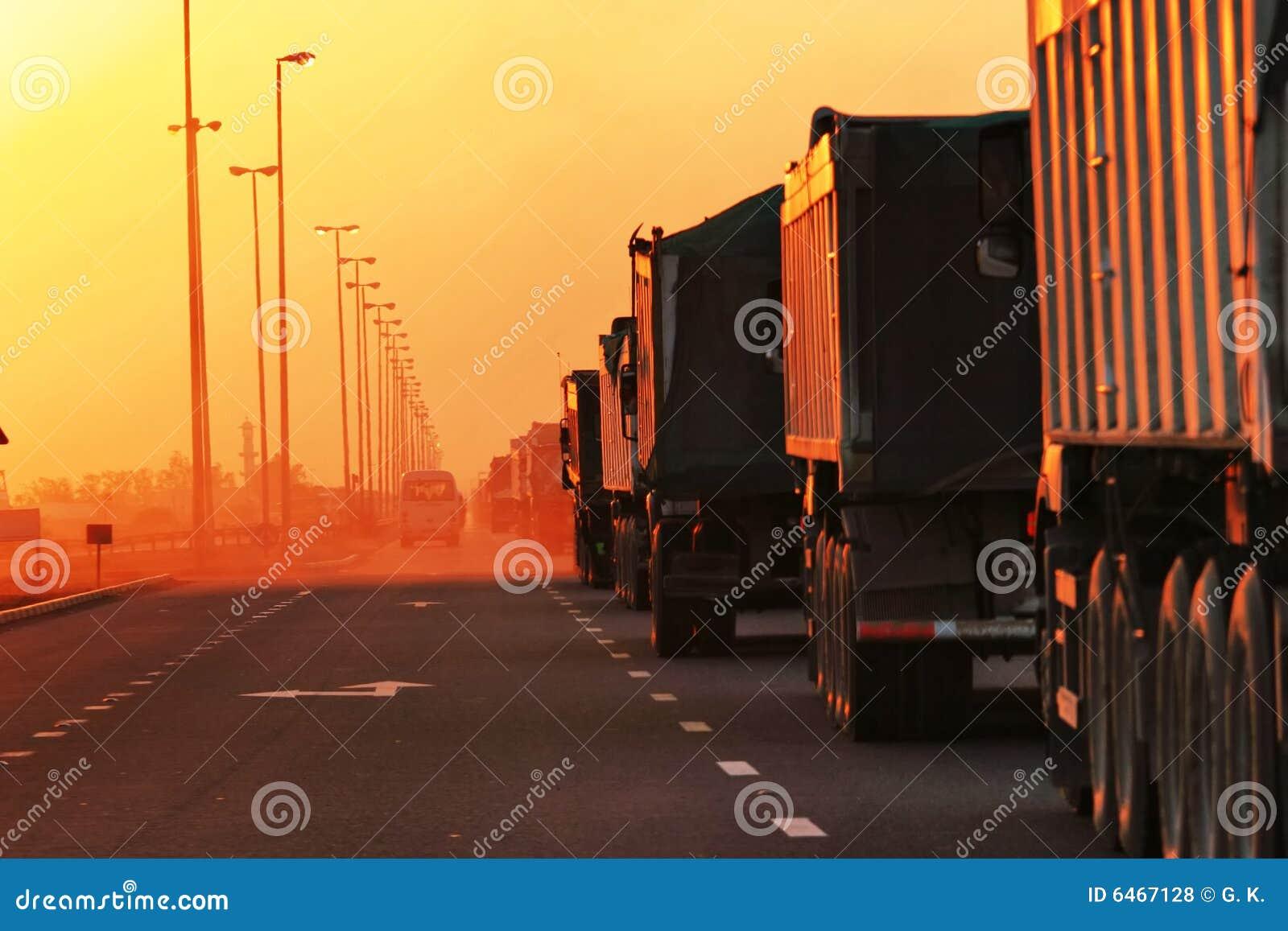 Jam jest ciężarówki ruchu