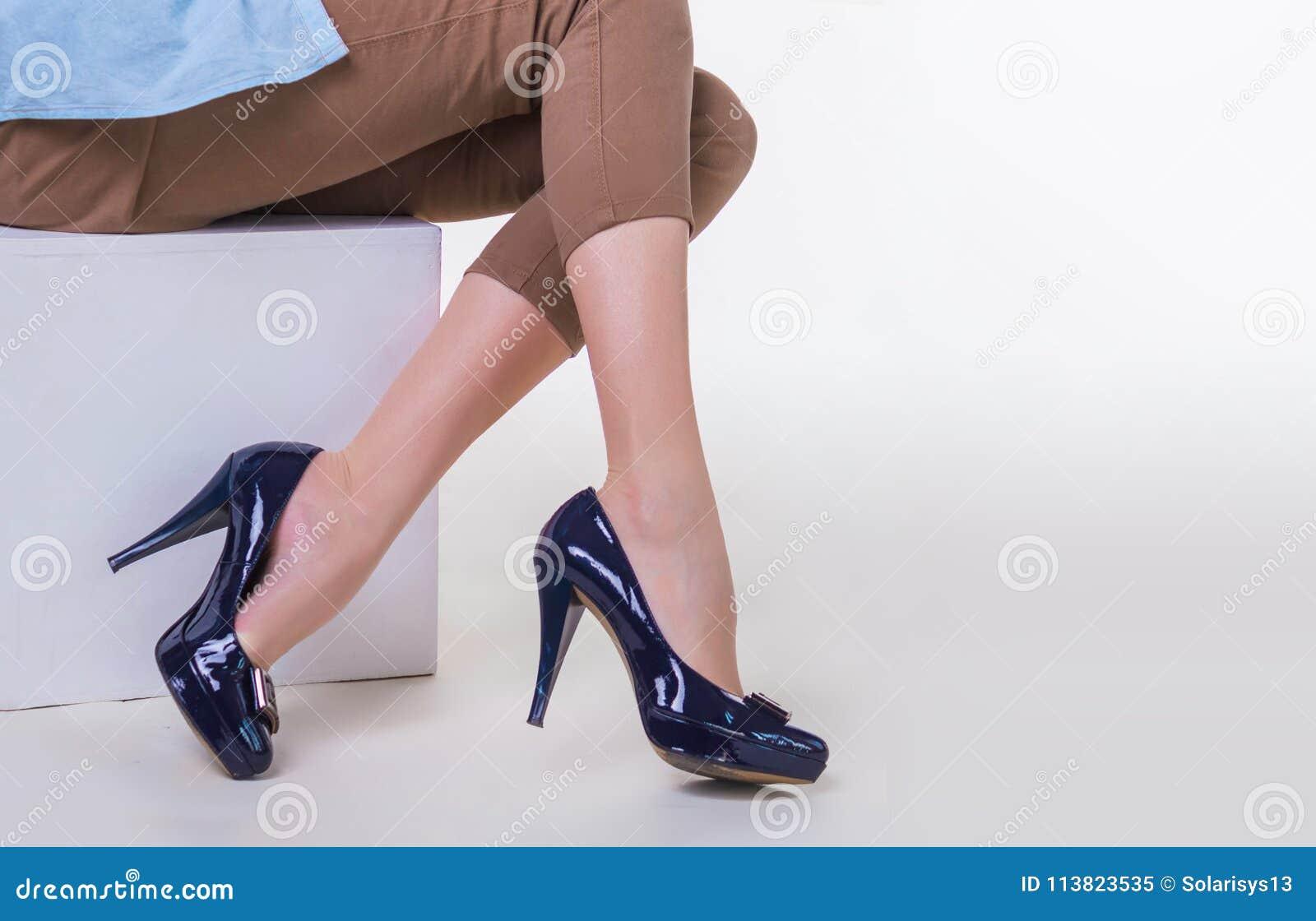 Chaussures Dans Femme Des Jeune Hauts Mince De Jambes à Talons 4wYqPxnIHS