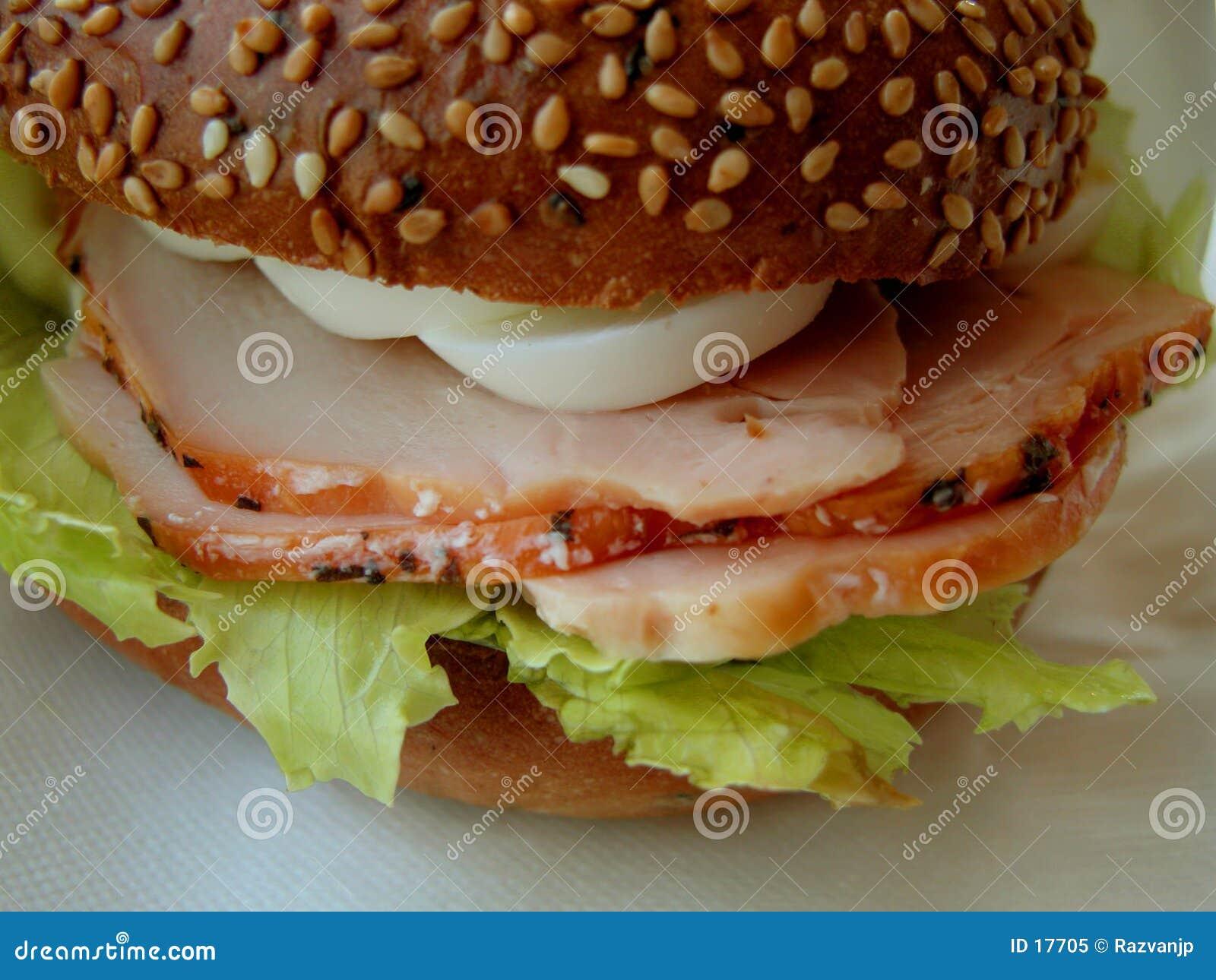 Jambon et sandwich à oeufs