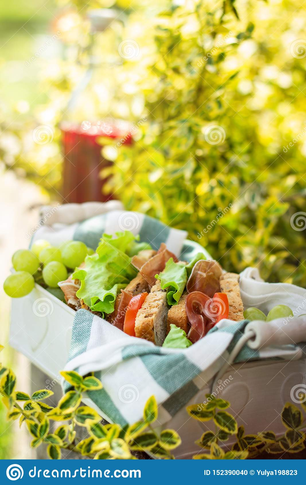 Jamon και φυτικά σάντουιτς