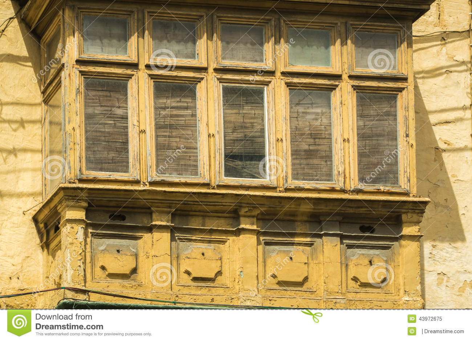 #AC7E1F Janelas Rústicas Em Casas Velhas Europeias Foto de Stock Imagem  598 Janelas Em Madeira Rusticas