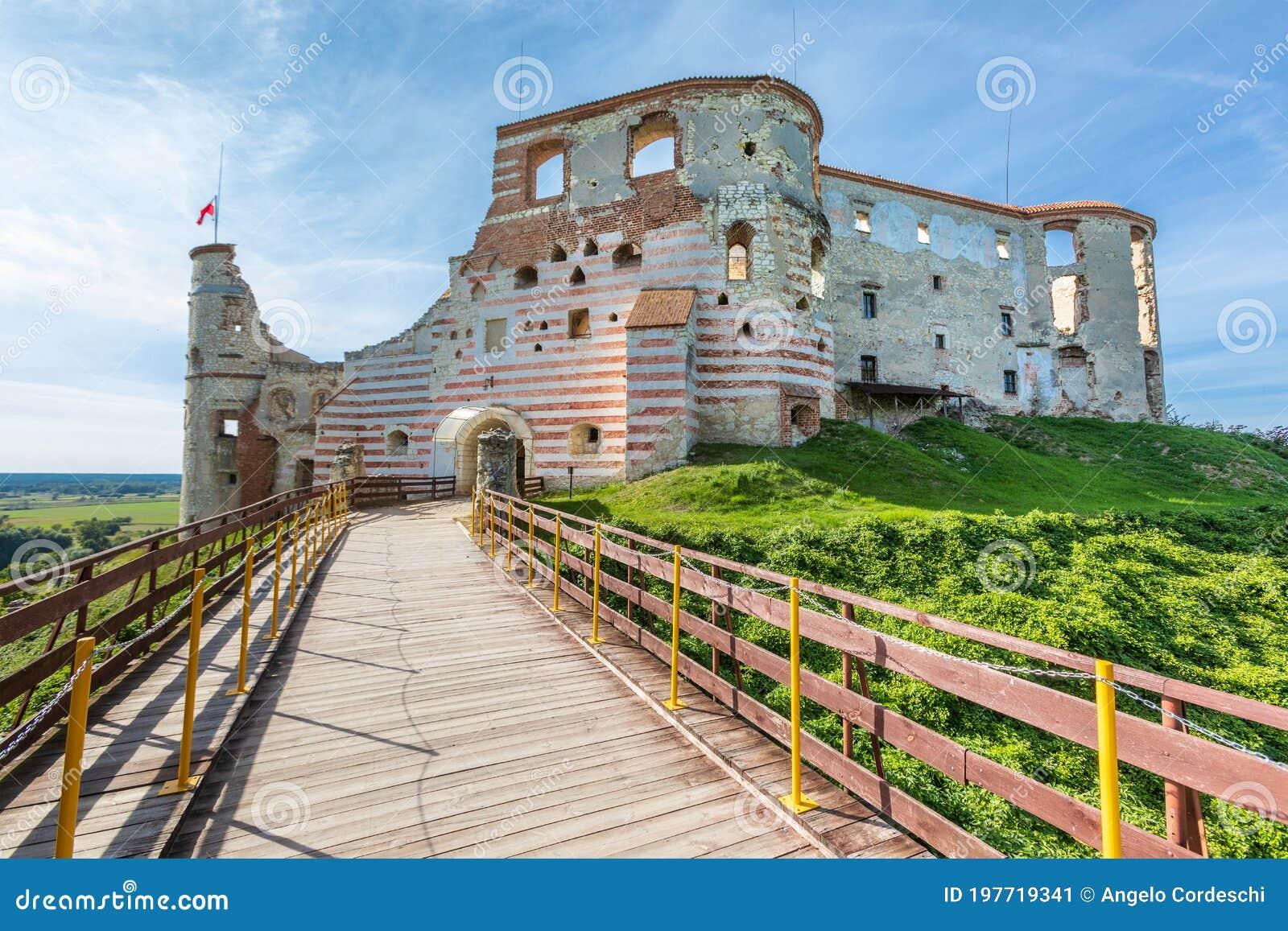 Janowiec Castle. Renaissance castle built in between 1508–1526. In Janowiec, Poland.