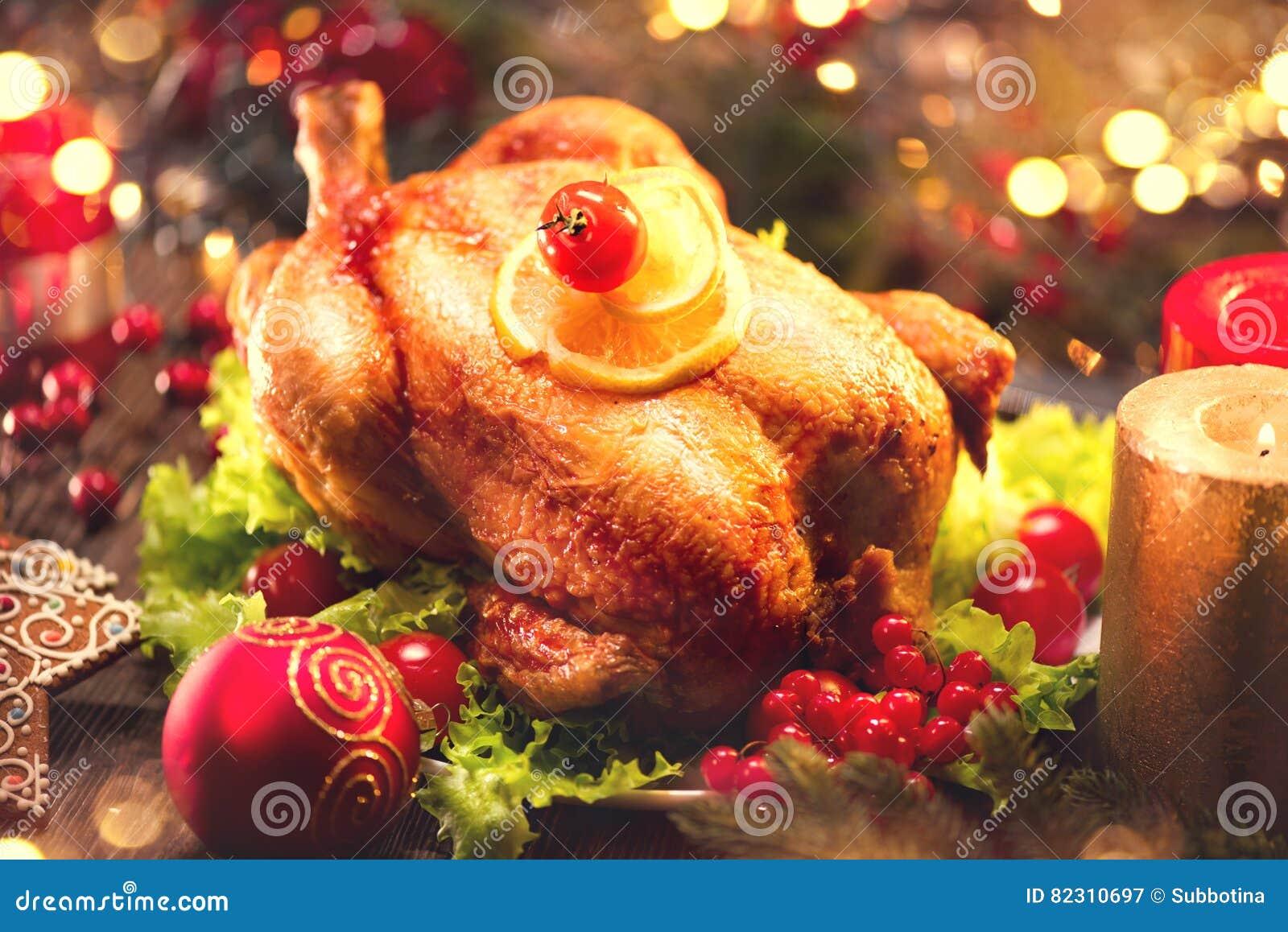 Jantar da família do Natal Tabela do feriado do Natal com peru
