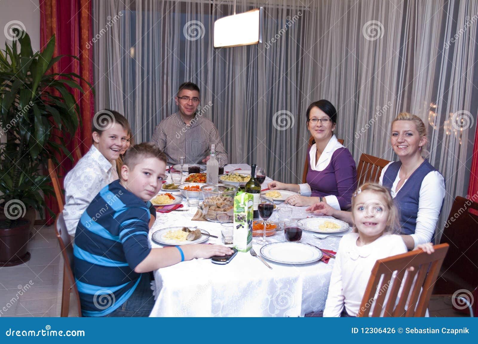 Jantar da tabela da família
