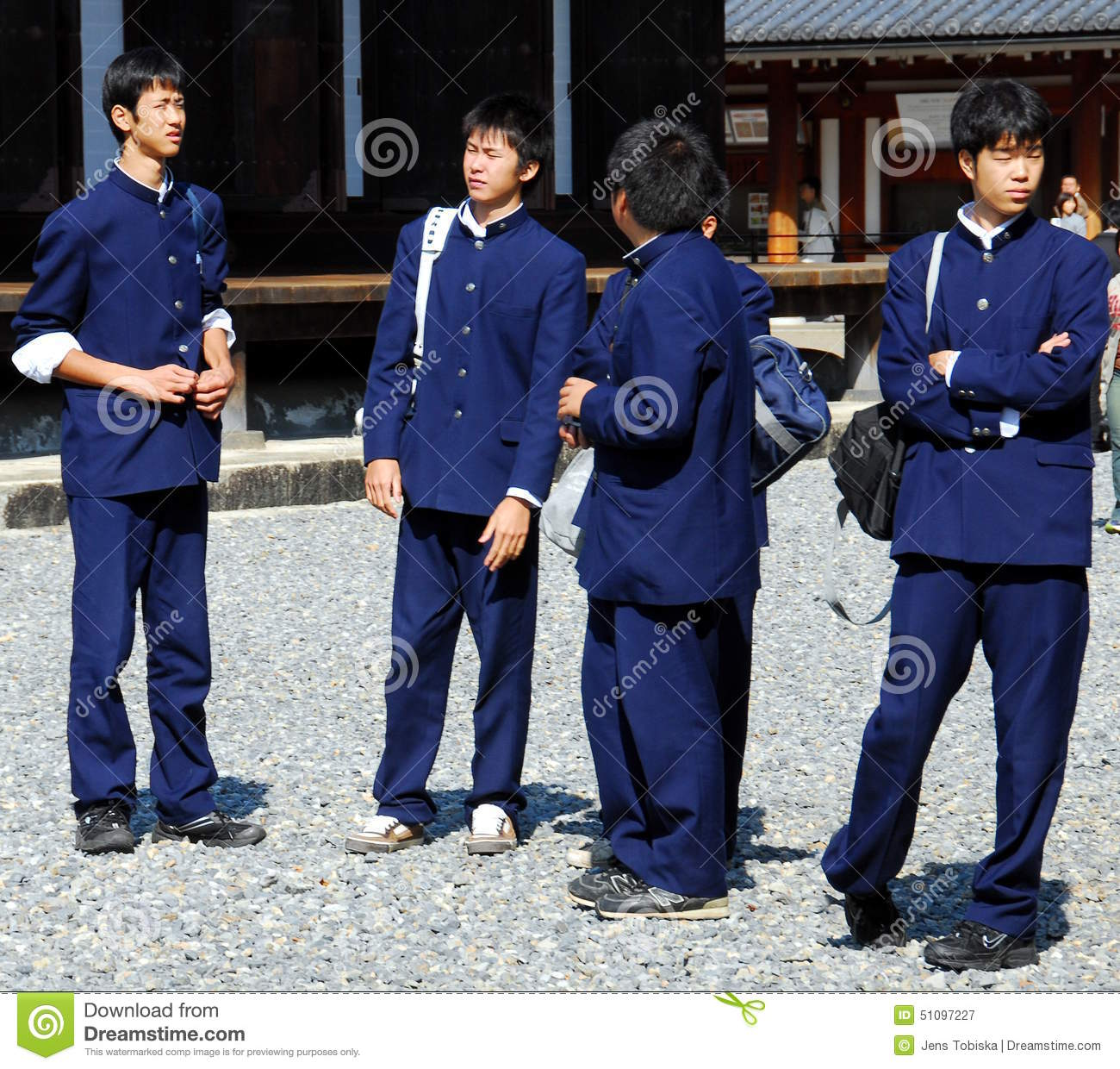 penetrating the high school uniform business in the us 1301 travel uniform  a change to the uniform of the day at destination is required to conduct business, or service dress blue may be worn for the entire trip working uniforms are not normally authorized for official travel,  for travel in the united states,.