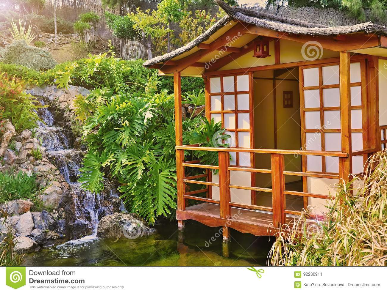 japan-haus stockfoto - bild: 92230911 - Haus Japan