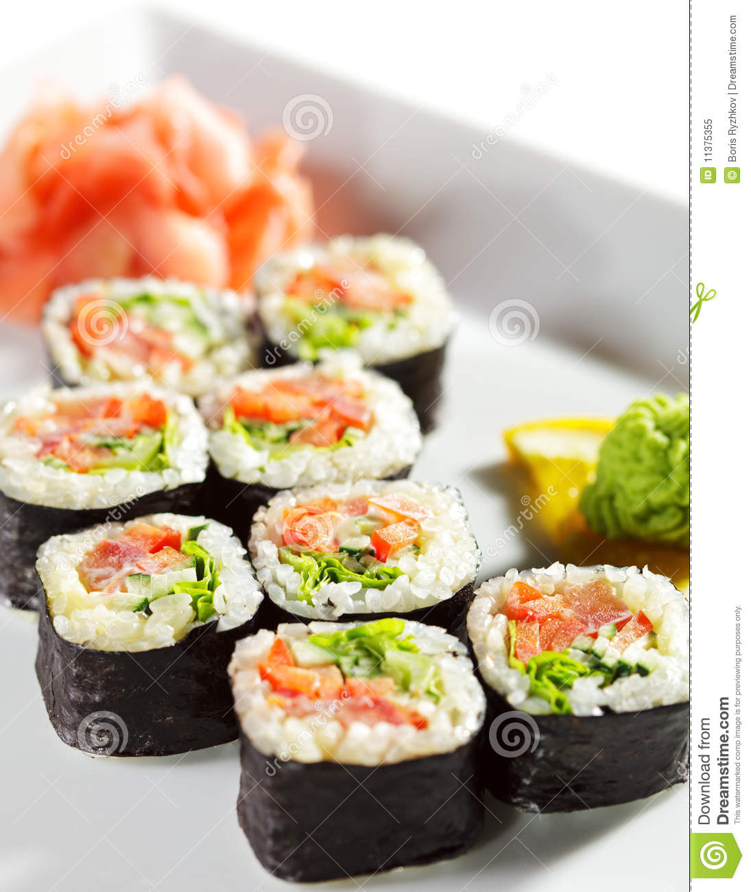Image gallery japanese cuisine sushi maki for Asian cuisine delivery