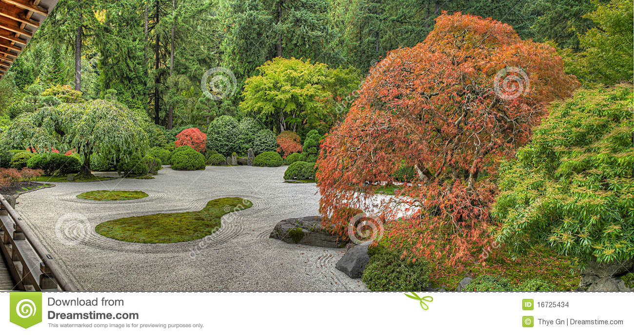 Japanese Flat Garden In The Fall Stock Images Image