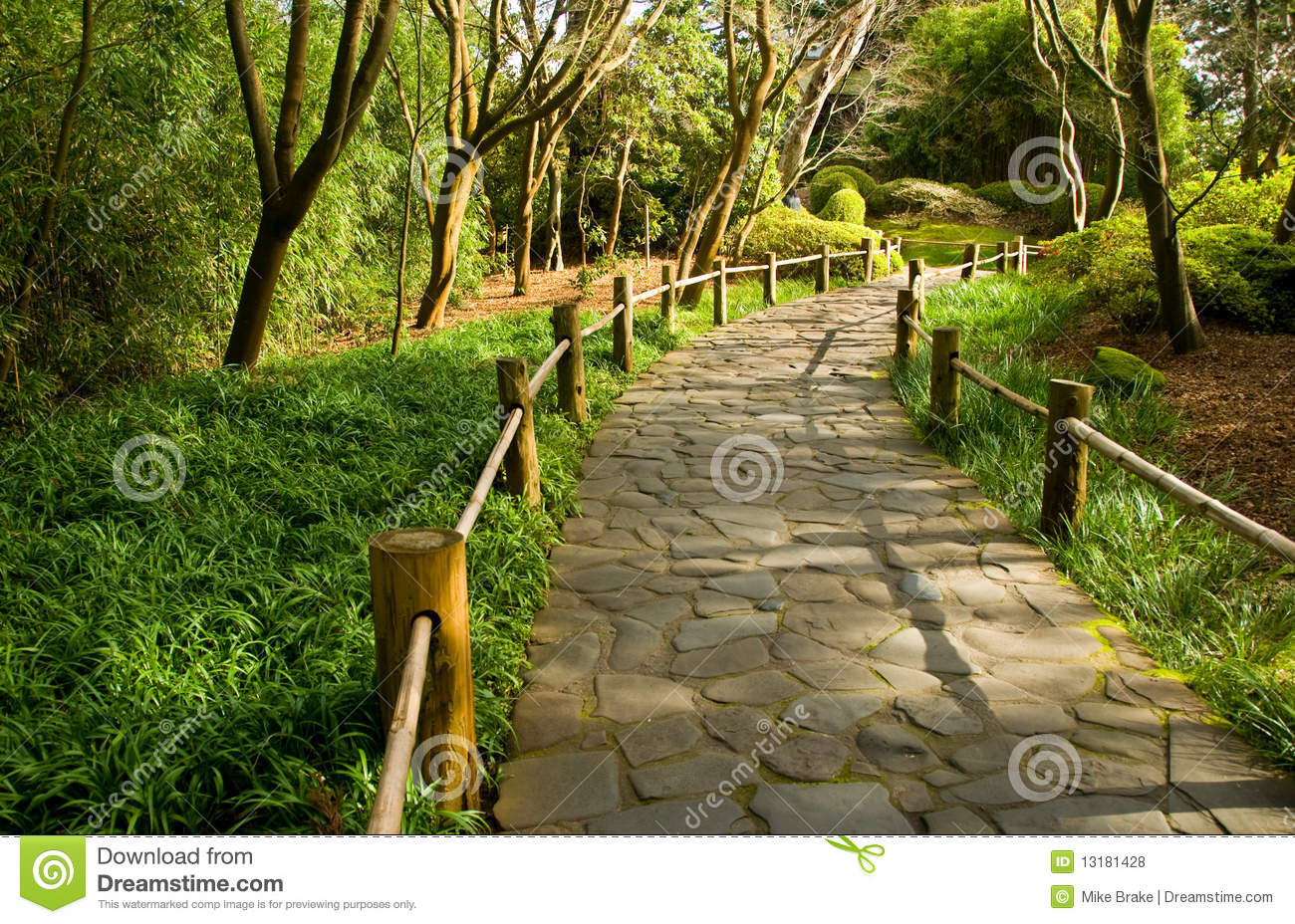Japanese Garden Walkway Stock Photos, Images, & Pictures - 1,420 ...
