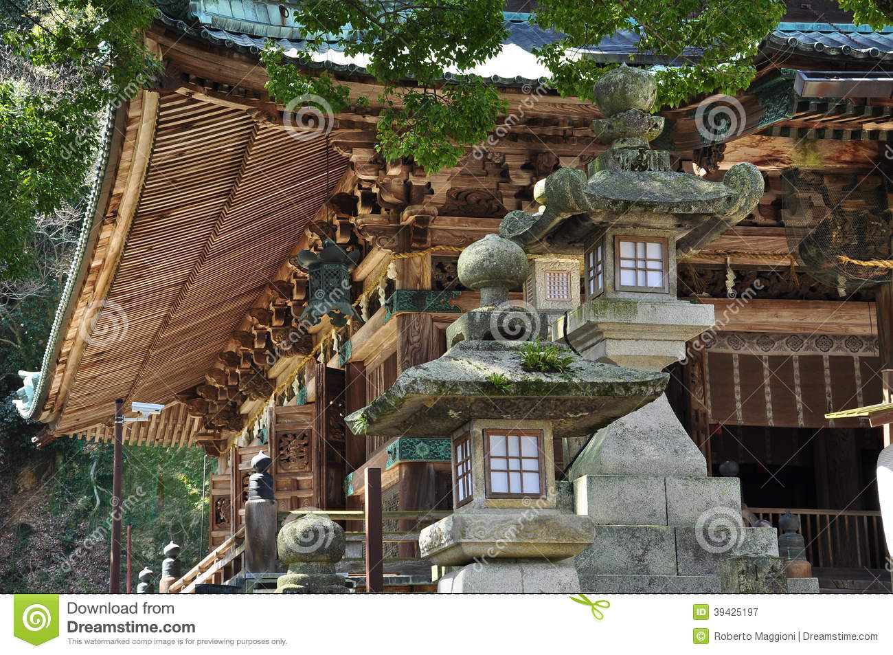 Japanese traditional architecture buddhist temple stock for Architettura giapponese tradizionale