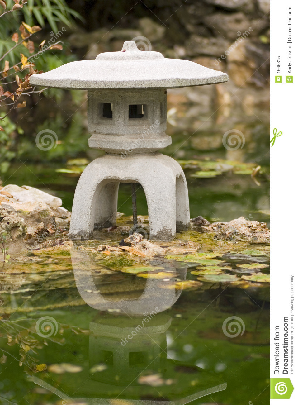 Japanese water feature stock image image of lantern for Japanese water feature
