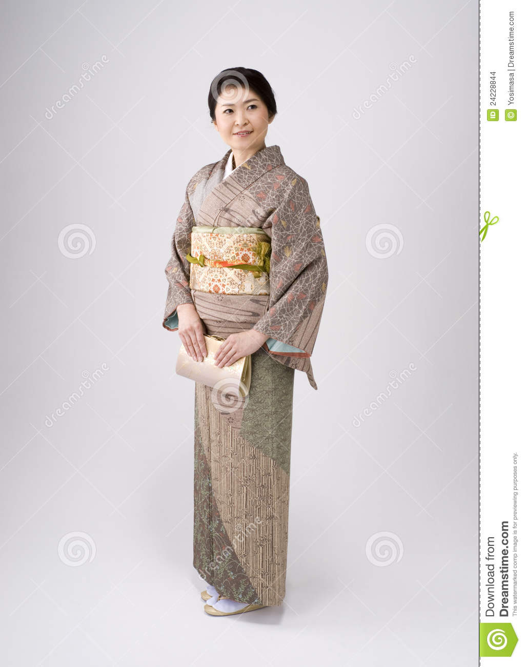 japanese girl wearing kimono - photo #31