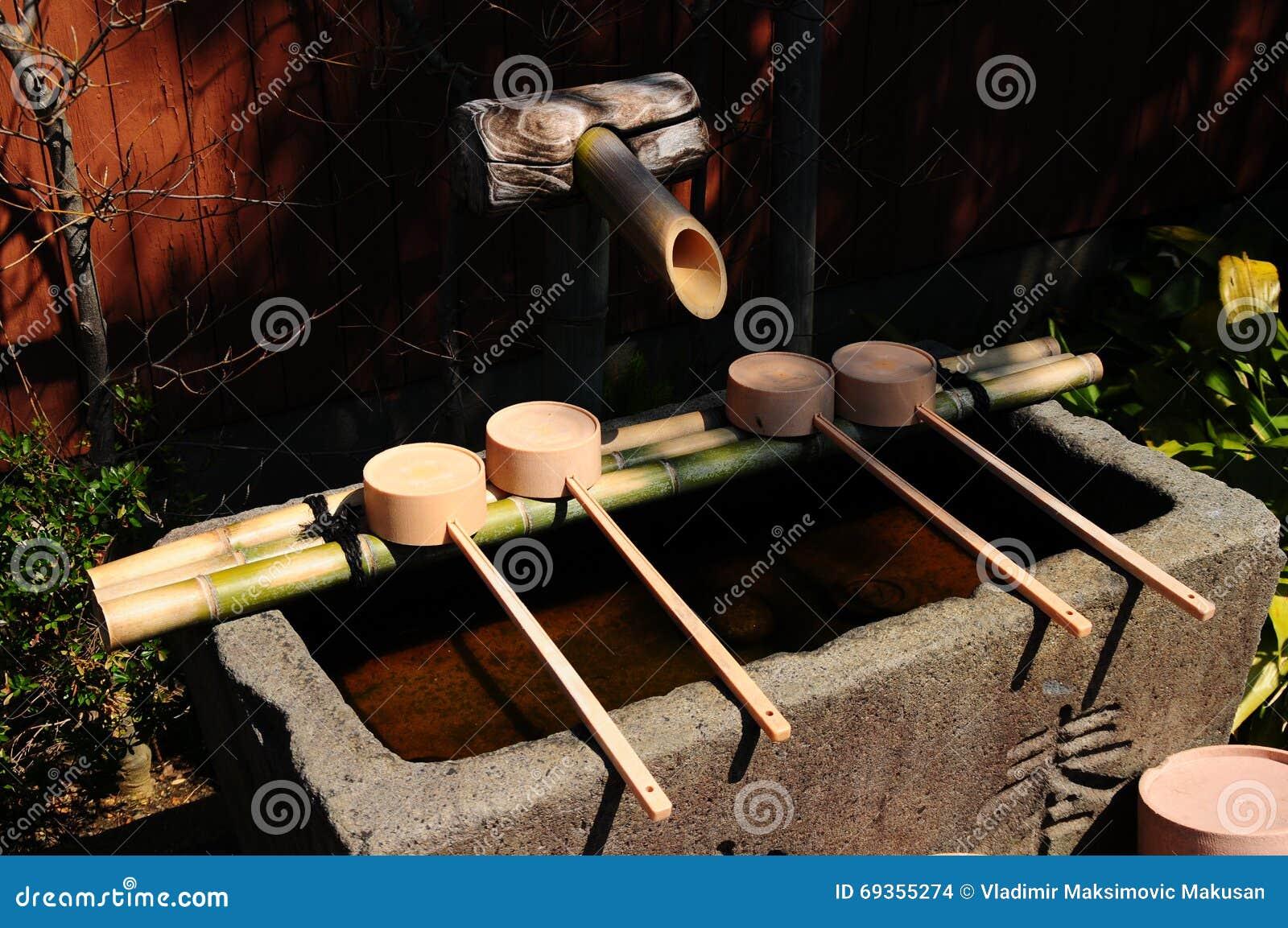 Japanische Bambus Fontains Stockfoto Bild Von Japanisch 69355274