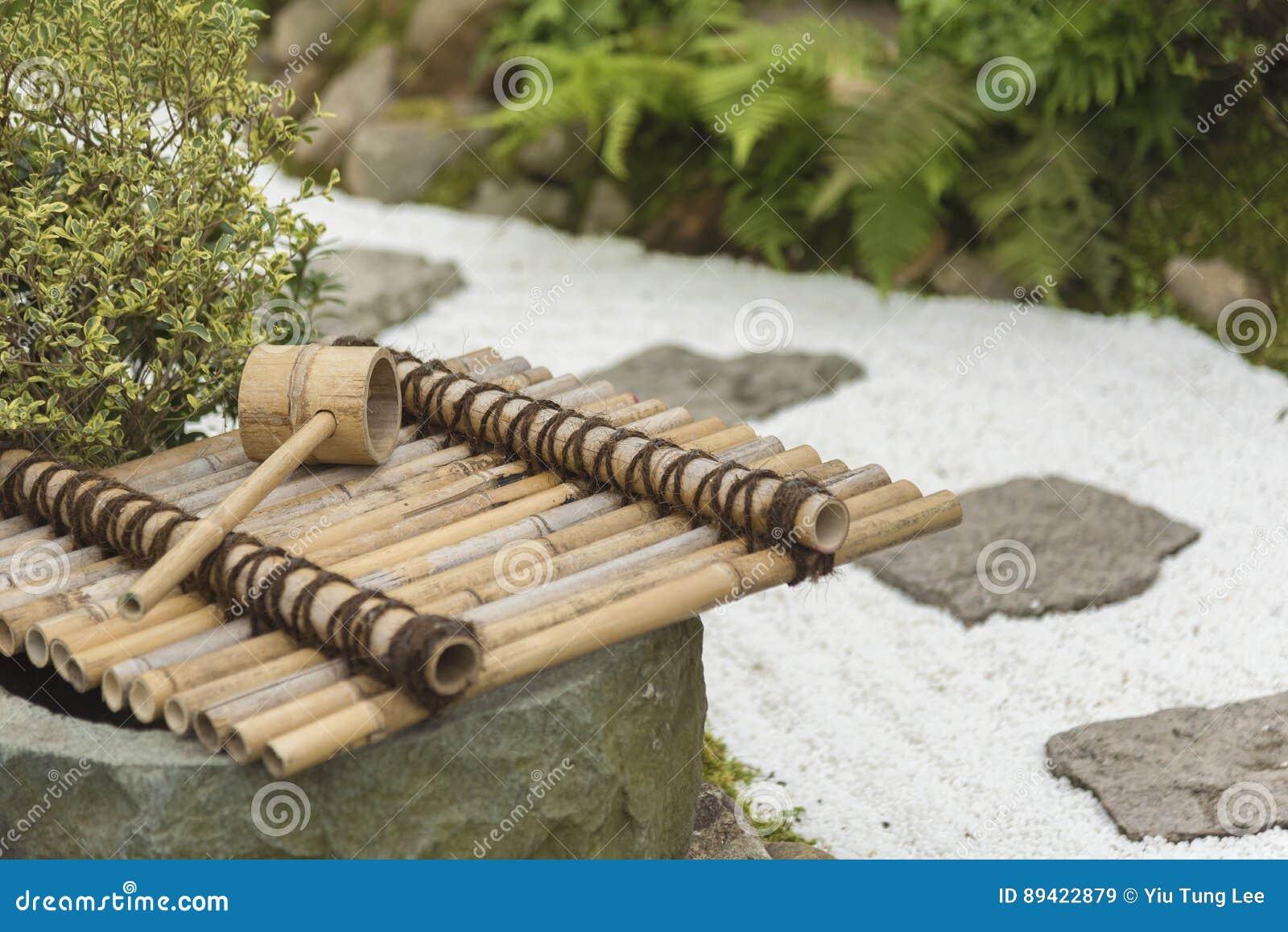 Japanischer Bambusbrunnen Stockbild Bild Von Fliessen 89422879